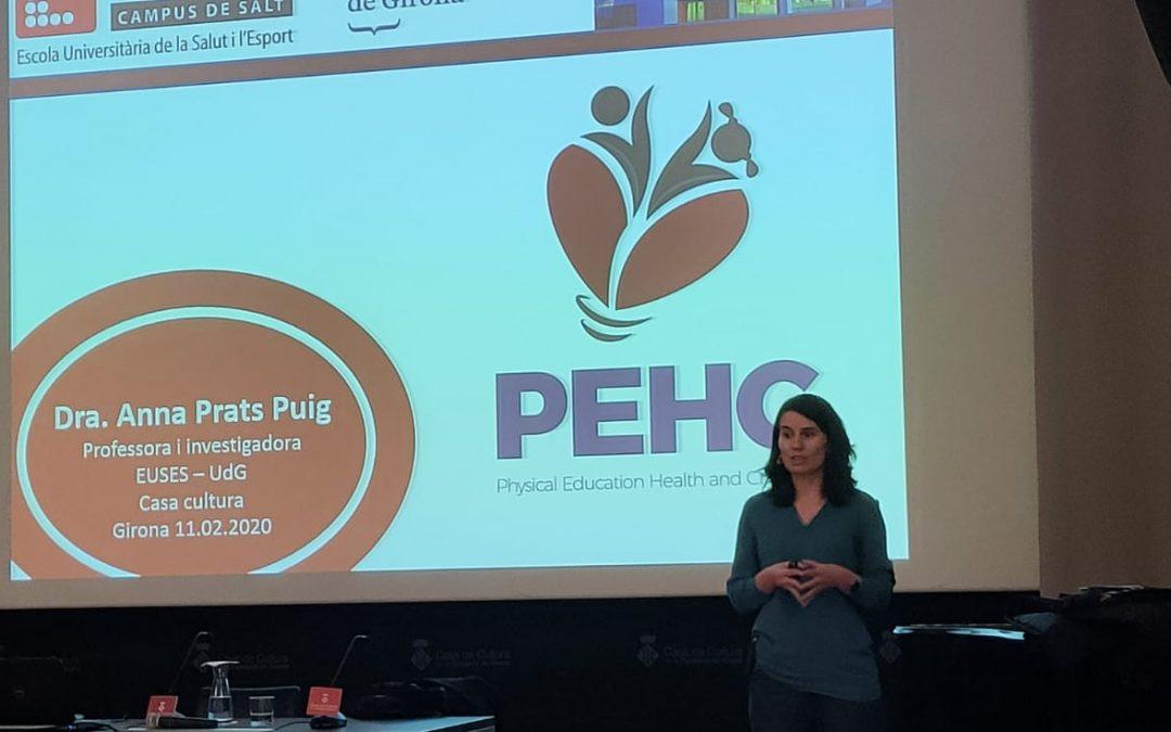 La Dra. Anna Prats presenta el PEHC en les Aules d'Extensió Universitària de la UdG a la casa de la cultura