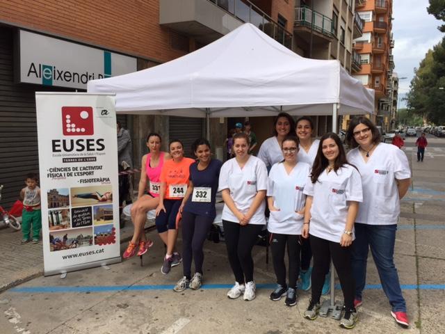 Els alumnes de fisioteràpia d'EUSES TE-URV col·laboren en la cursa popular de l'1 de maig a Tortosa