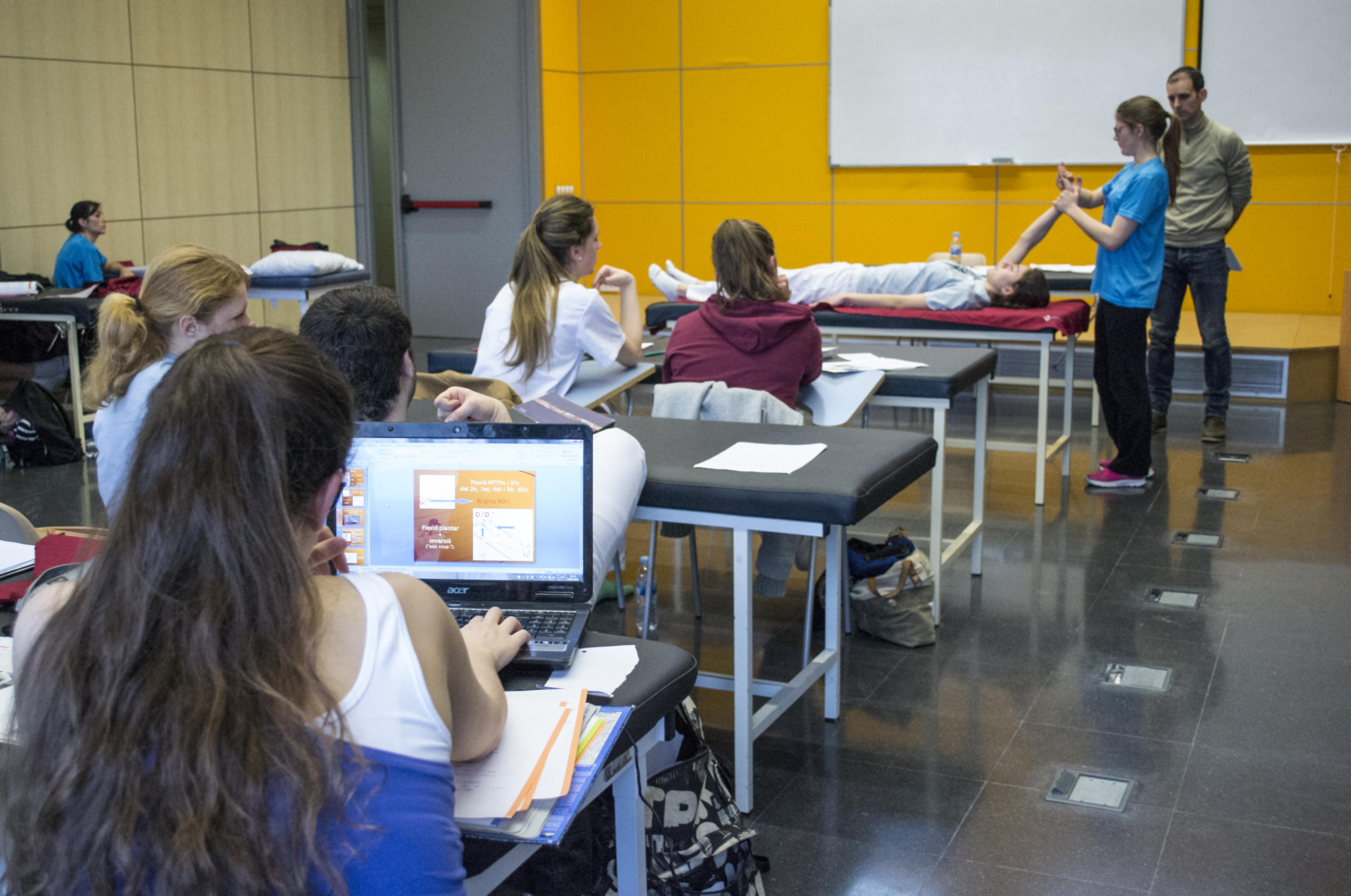 ¿Por qué estudiar el Grado en Fisioterapia en EUSES Campus del Ebro? Todavía puedes matricularte en septiembre