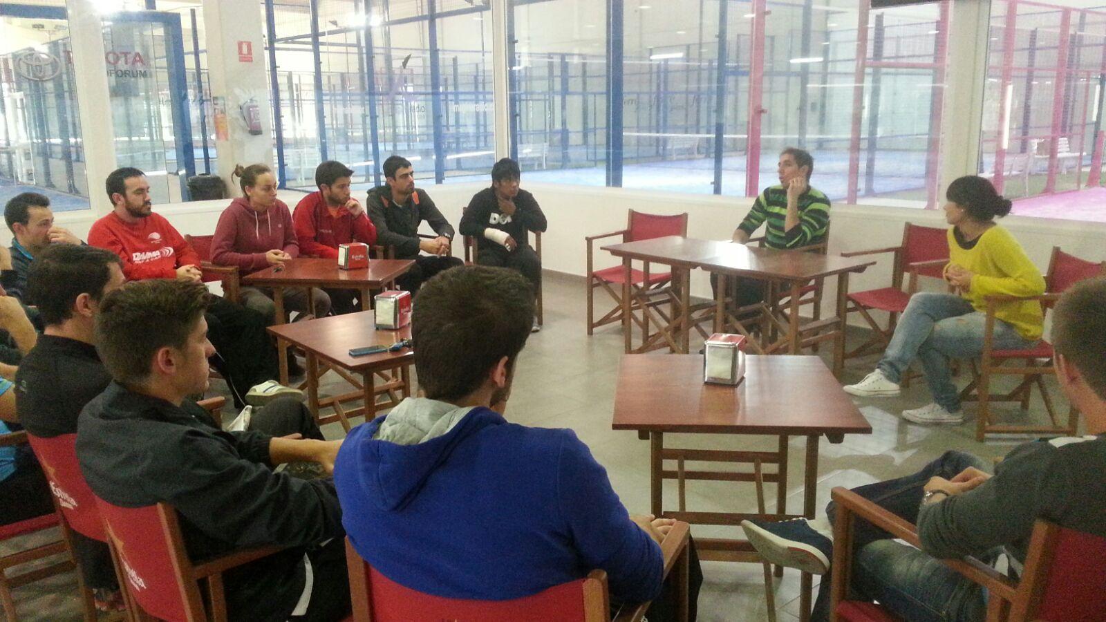 Professió i reptes de futur dels alumnes de CAFE d'EUSES Terres de l'Ebre, al Padel Colors de Roquetes
