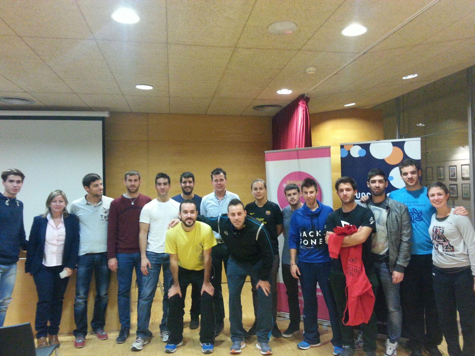 """Conferència adreçada als alumnes de 4t de CAFE d'EUSES-URV: """"Coneix l'evolució dels videojocs de futbol. 40 anys d'història"""""""