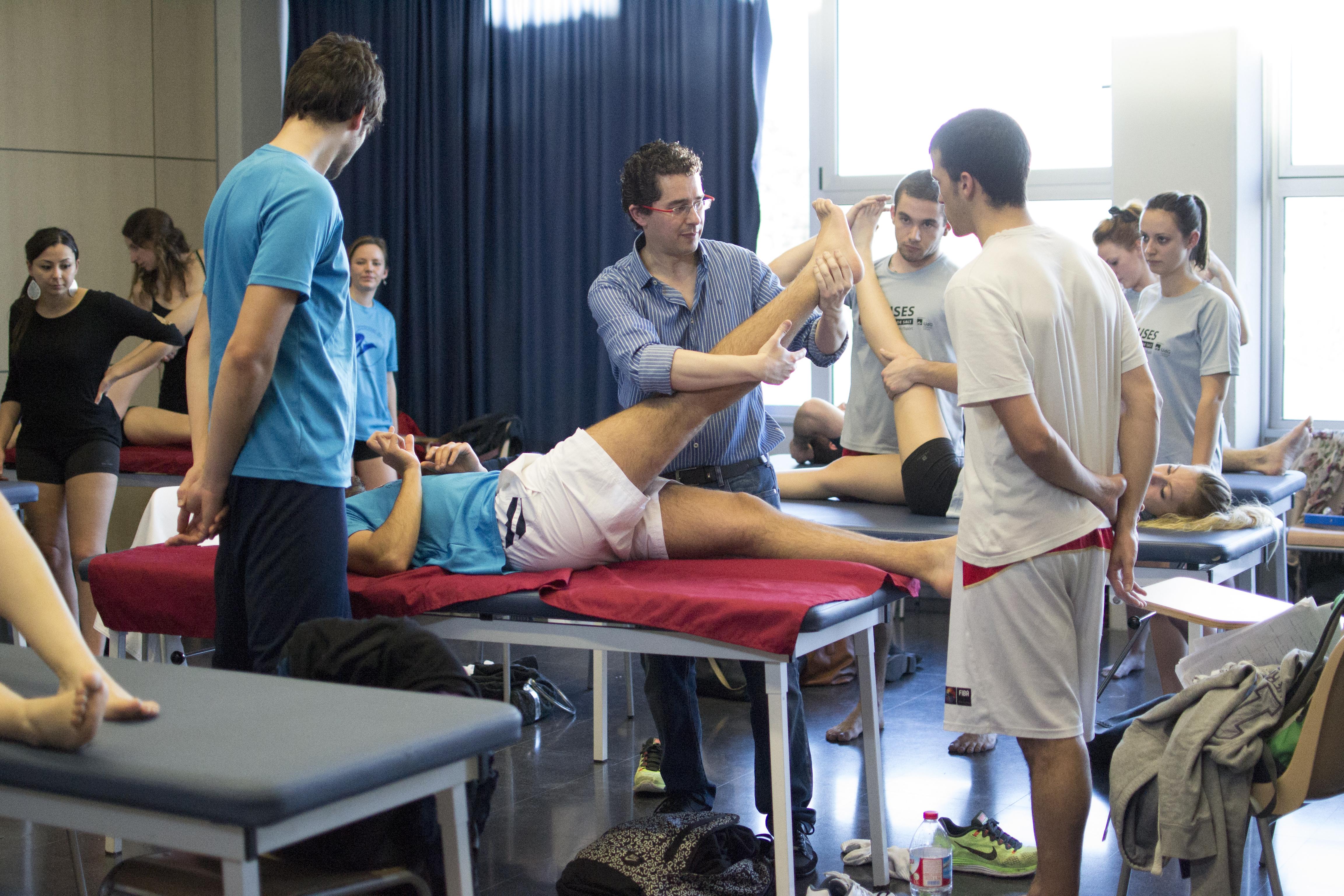 Vols especialitzar-te en la prevenció, tractament i rehabilitació de lesions esportives? Estudia el Grau en Fisioteràpia a EUSES-URV