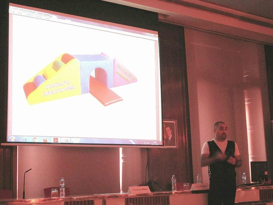 Conferència del professor del cicle d'Imatge per al Diagnòstic JoanBaños en el Curs de Radiologia Pediàtrica de l'ICS