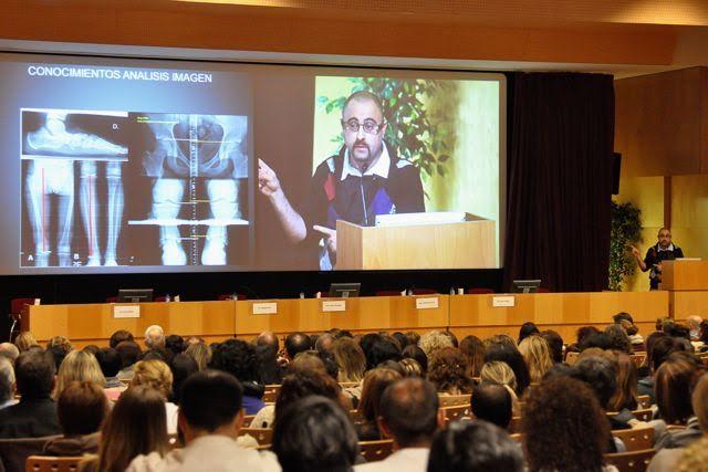 Ponència del professor del cicle d'Imatge per al Diagnòstic Joan Baños a l'Acadèmia de Ciències Mèdiques de Barcelona