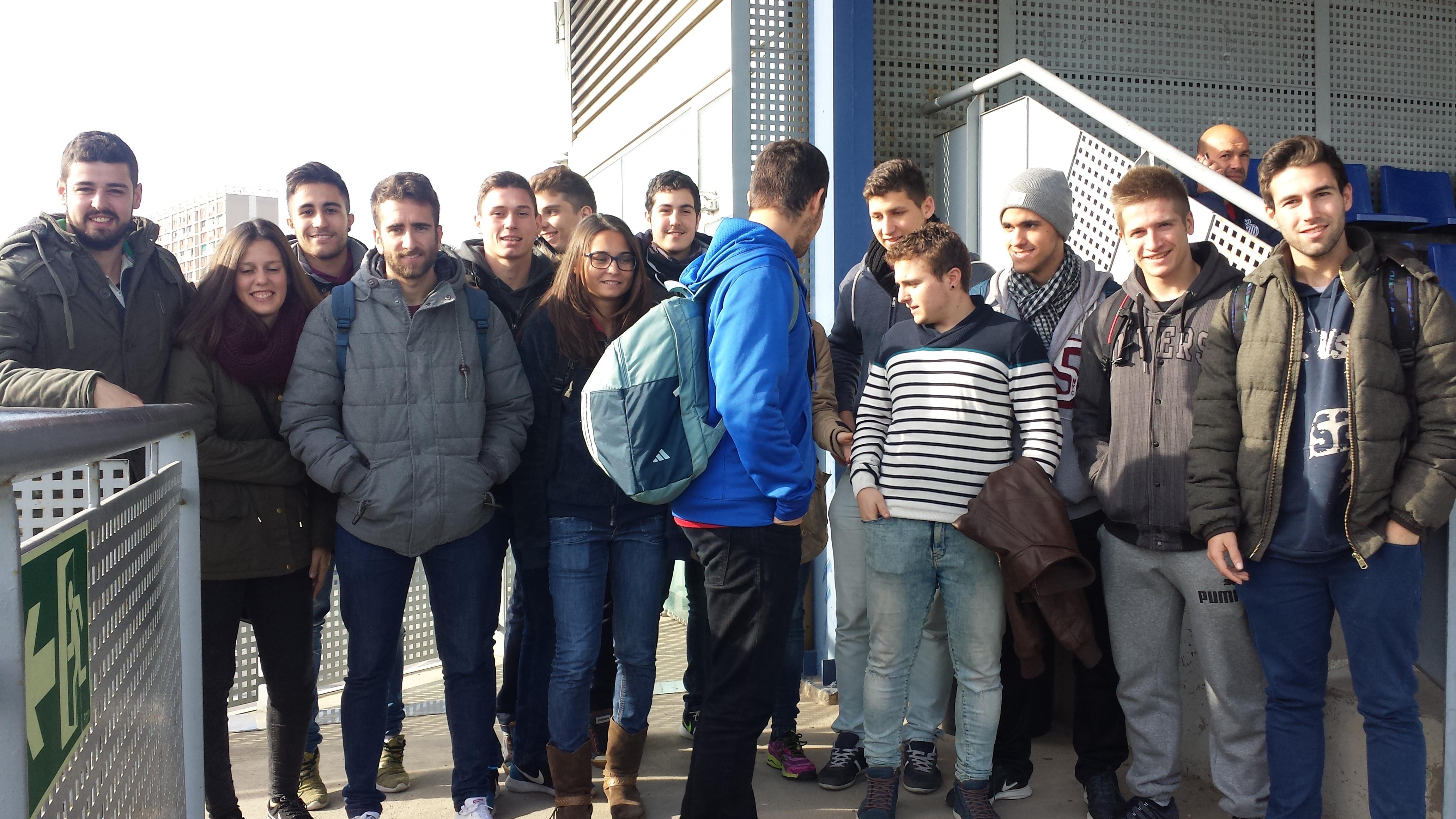 Alumnes de 2n curs de CAFE d'EUSES TE-URV visiten la ciutat esportiva del RCD ESPANYOL