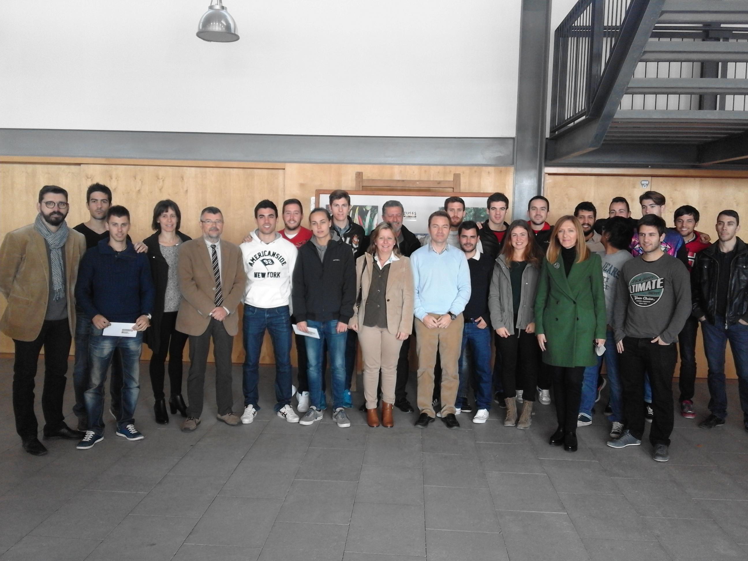 Els alumnes de 4t de CAFE d'EUSES Terres de l'Ebre-URV presenten una exposició a Amposta sobre esport, oci i creativitat