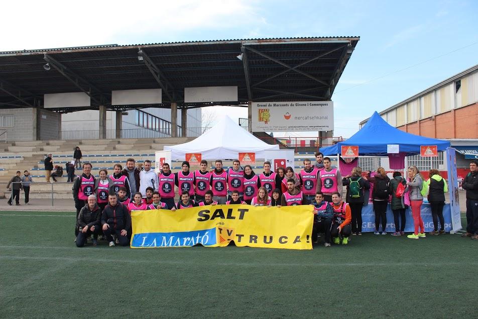 Una trentena d'alumnes de 3r i 4t de CAFE d'EUSES participen en els actes de la Marató de TV3 a Salt i a Girona