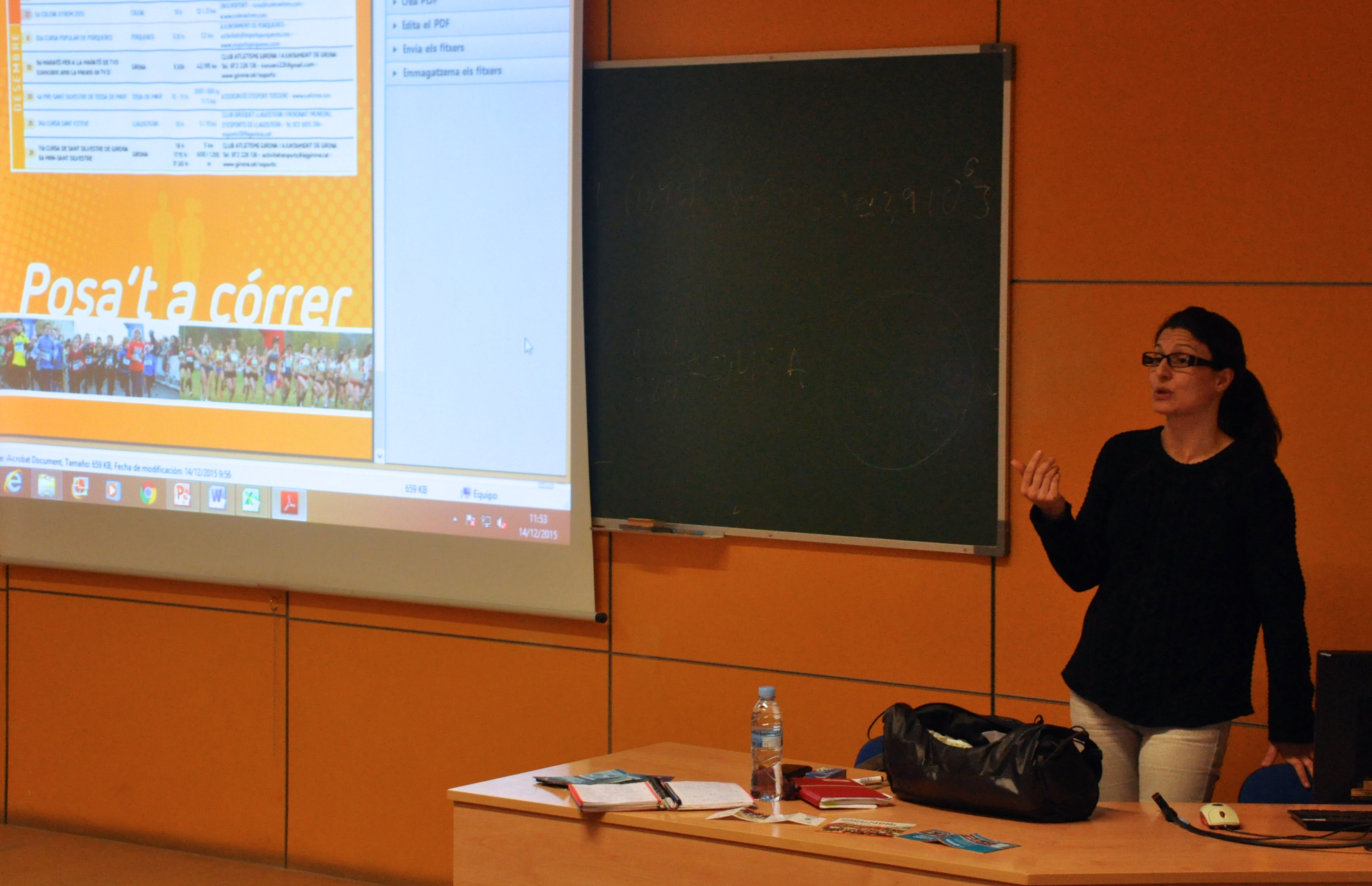 Xerrada de Marti Valverde als estudiants de 1r de CAFE d'EUSES-UdG sobre disseny de curses populars