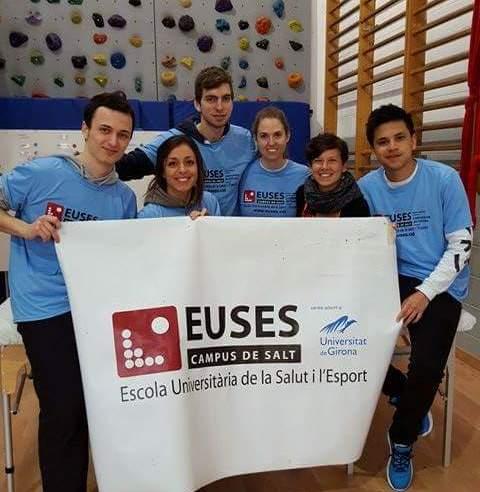 Alumnes del Grau en Fisioteràpia d'EUSES, en la cursa popular Blau Ter, organitzada pels Marrecs de Salt