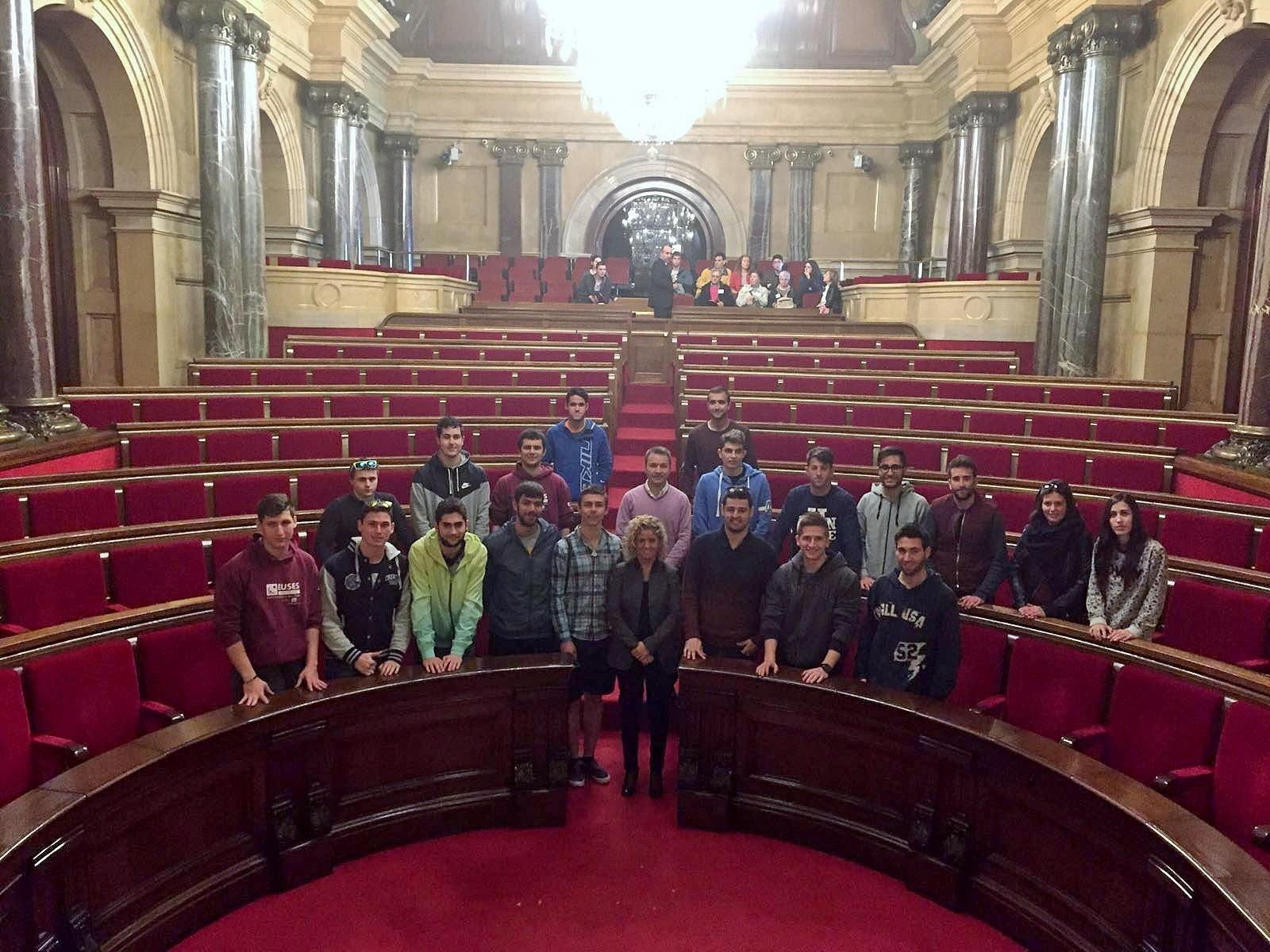 Els alumnes de 2n curs de CAFE d'EUSES Terres de l'Ebre-URV visiten el Parlament