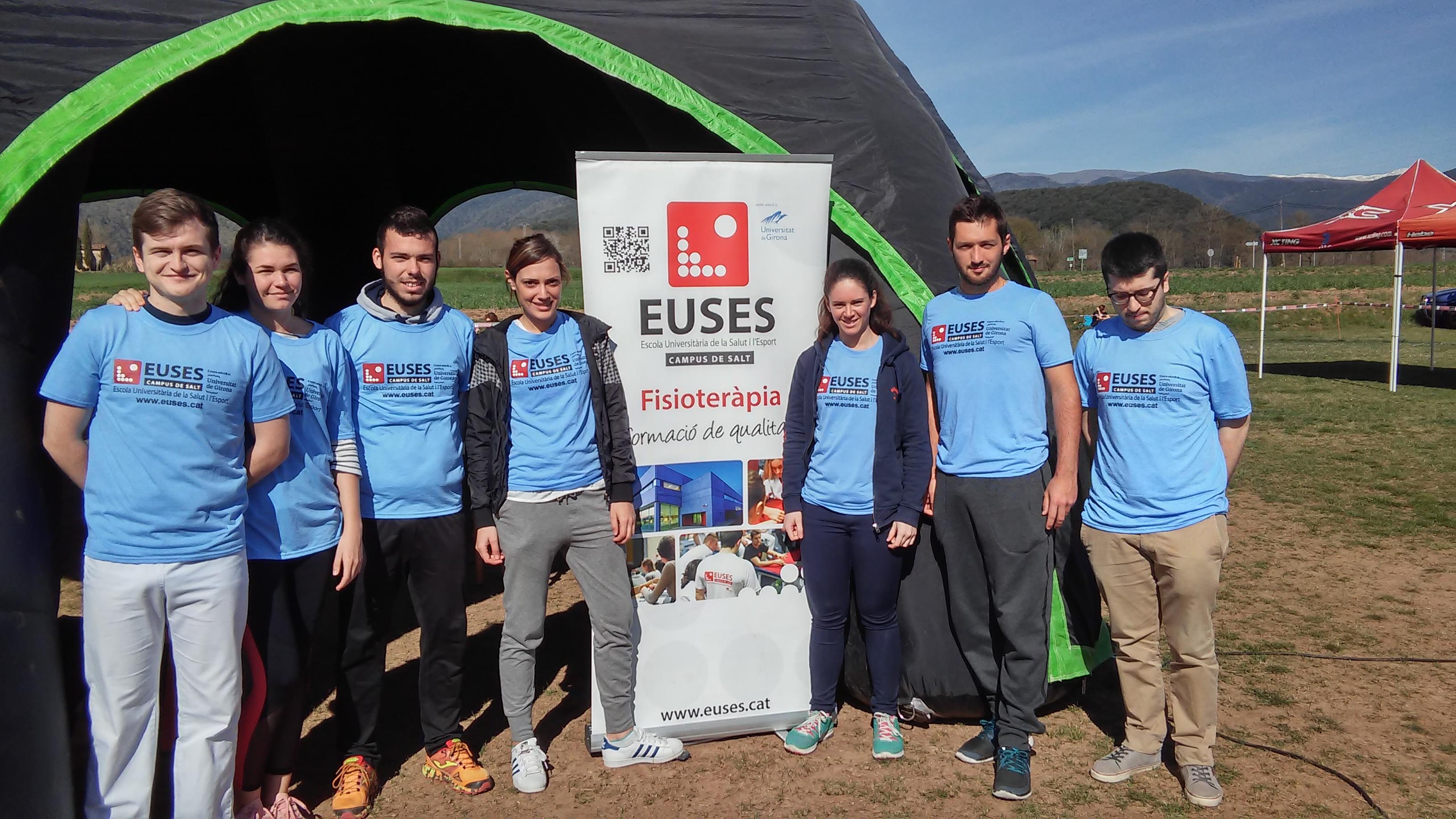 Alumnes del Grau en Fisioteràpia d'EUSES recuperen els participants de la quarta edició de la Romànic Extrem