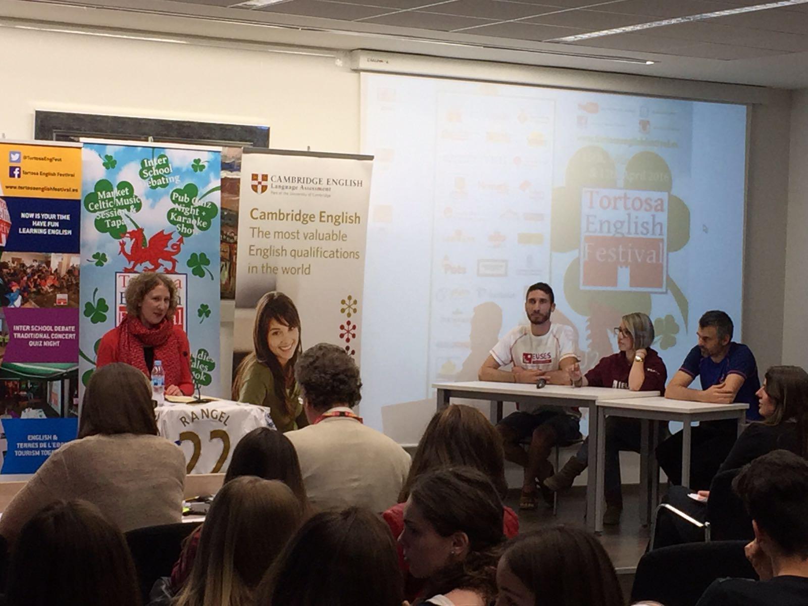 """EUSES Terres de l'Ebre-URV, present al """"Tortosa English Festival"""" en un debat interuniversitari"""