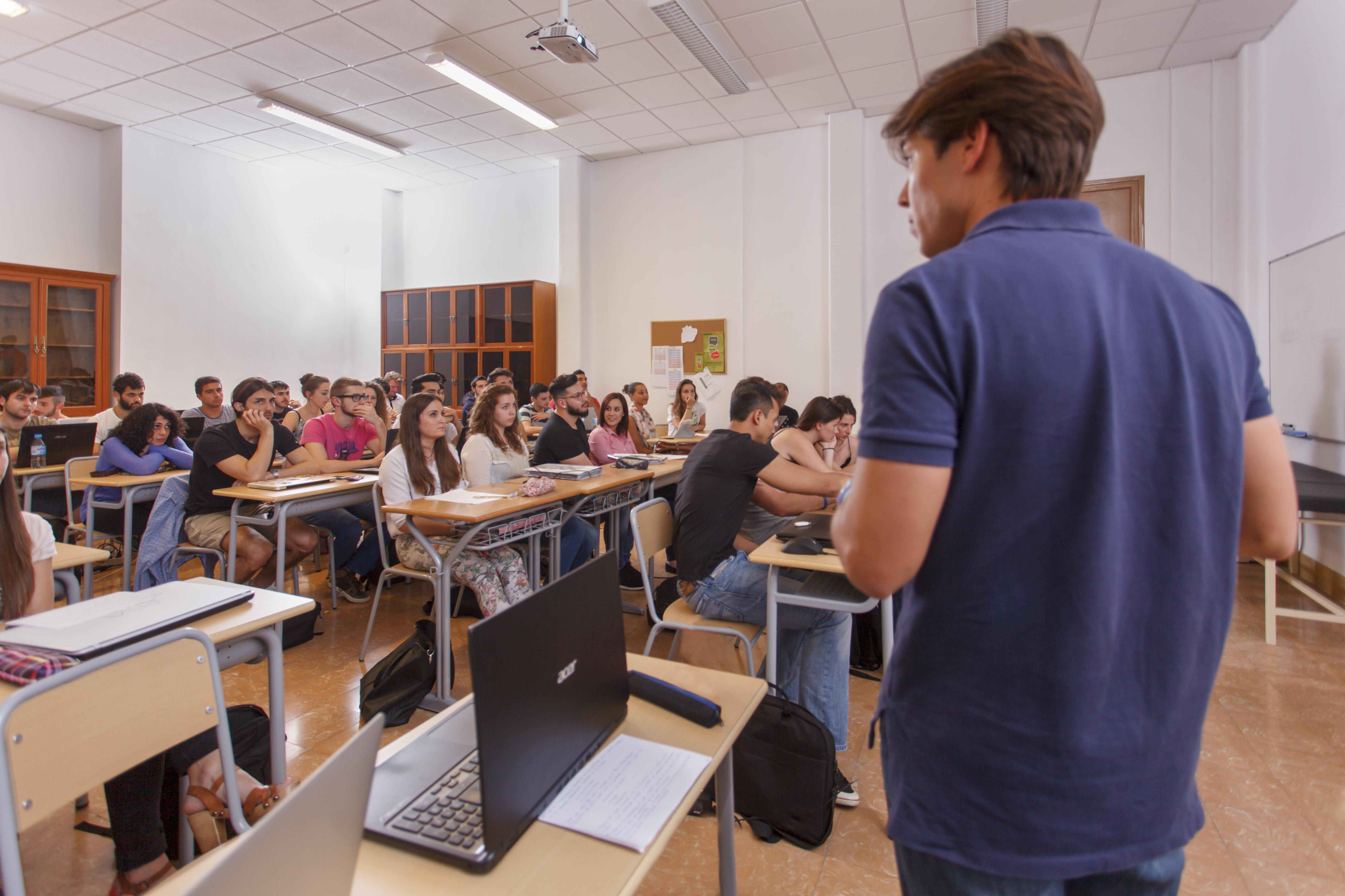 Coneixes l'equip docent del Grau en Ciències de l'Activitat Física i l'Esport d'EUSES Terres de l'Ebre? Vine a estudiar amb professionals de primer nivell