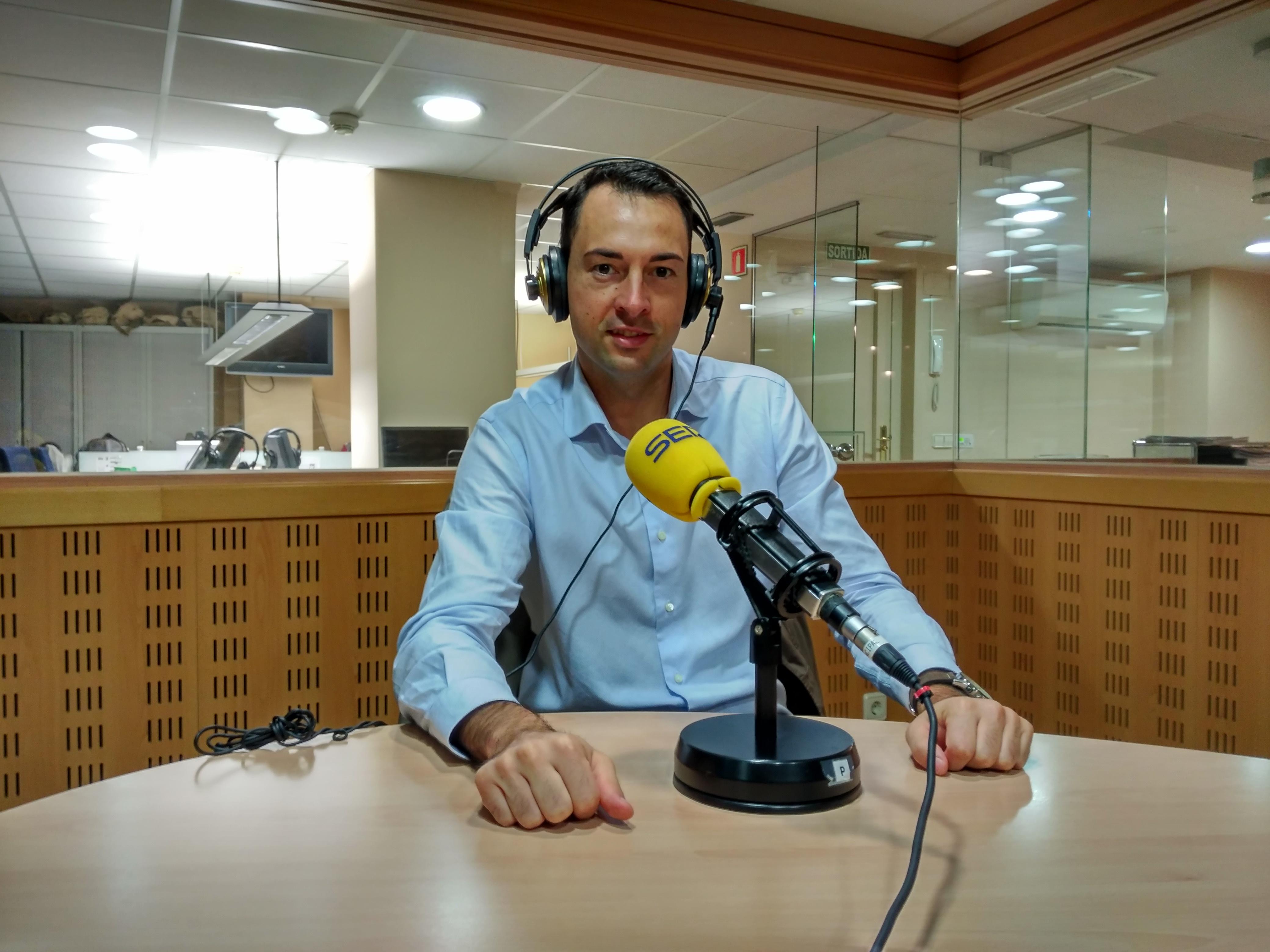 El director del Grau en Ciències de l'Activitat Física i l'Esport d'EUSES-UdG, Adrià Martín, entrevistat a la Cadena Ser Girona