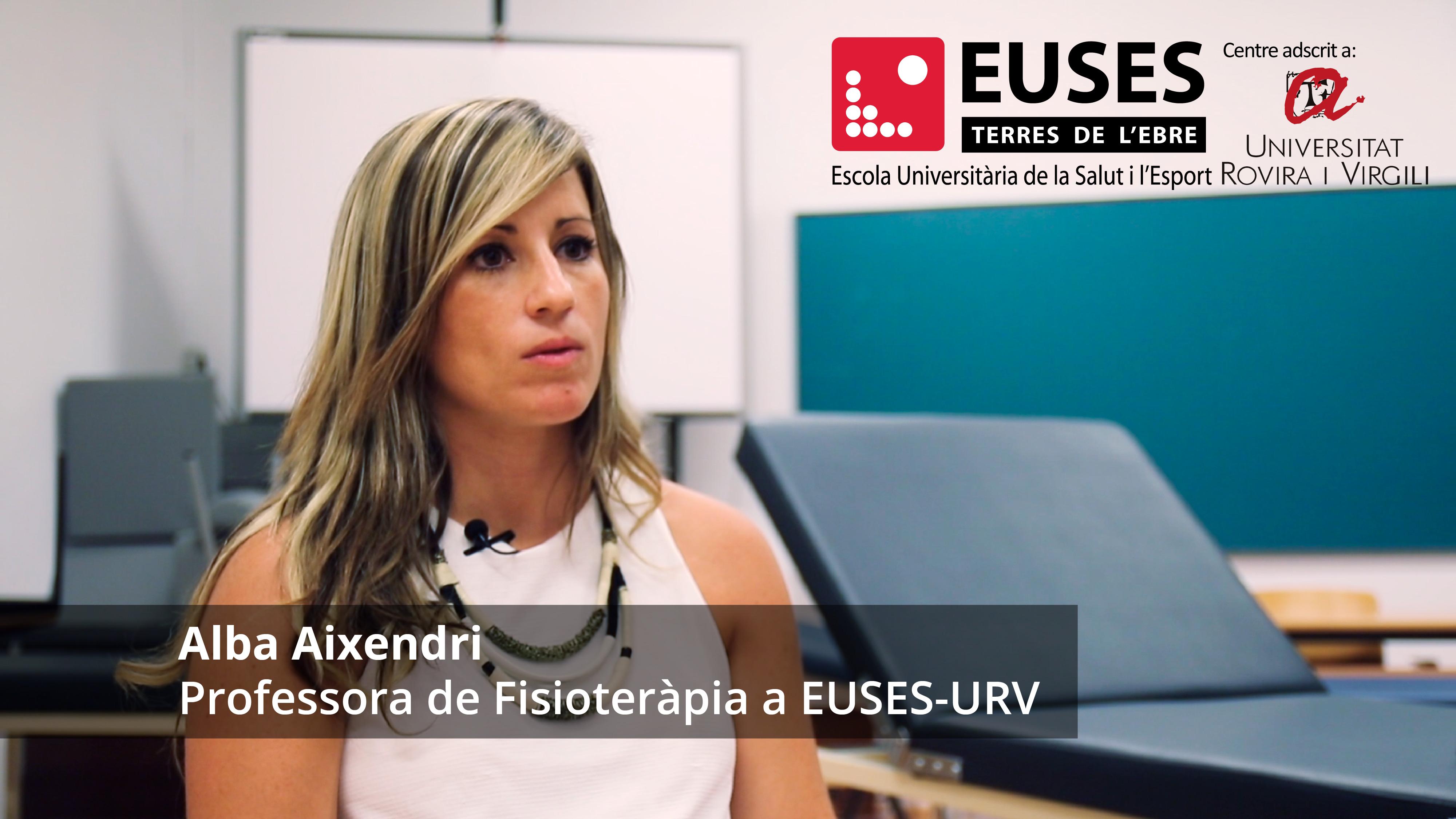 """""""A les meves classes, els alumnes ja se senten fisioterapeutes"""". La professora, Alba Aixendri destaca el vessant pràctic de les assignatures que imparteix al Grau en Fisioteràpia d'EUSES Terres de l'Ebre"""