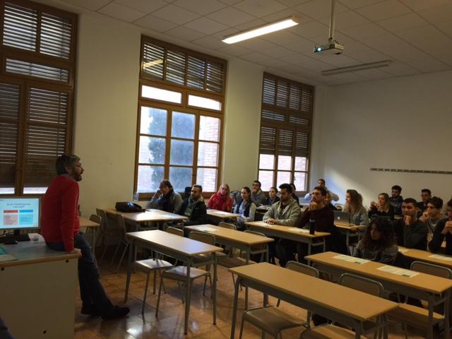 Xerrada informativa a càrrec del Col·legi de Fisioterapeutes de Catalunya als alumnes de 4t curs del grau d'EUSES-Terres de l'Ebre