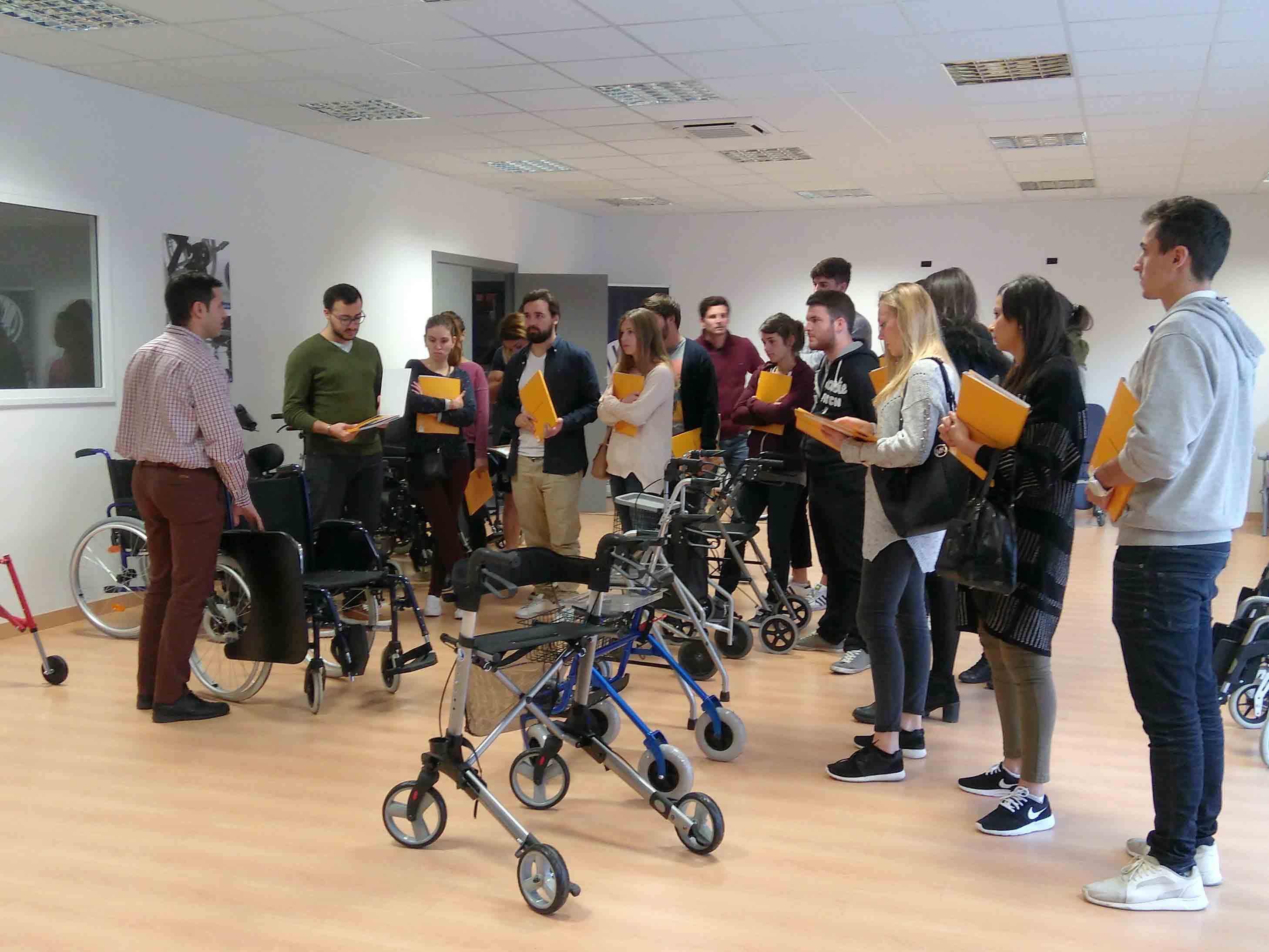 Els alumnes de 4t curs del Grau en Fisioteràpia d'EUSES visiten les instal·lacions de Rehagirona