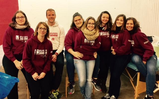 Els estudiants del Grau en Fisioteràpia d'EUSES Terres de l'Ebre col·laboren amb la Marató del TV3 en una activitat a Tortosa