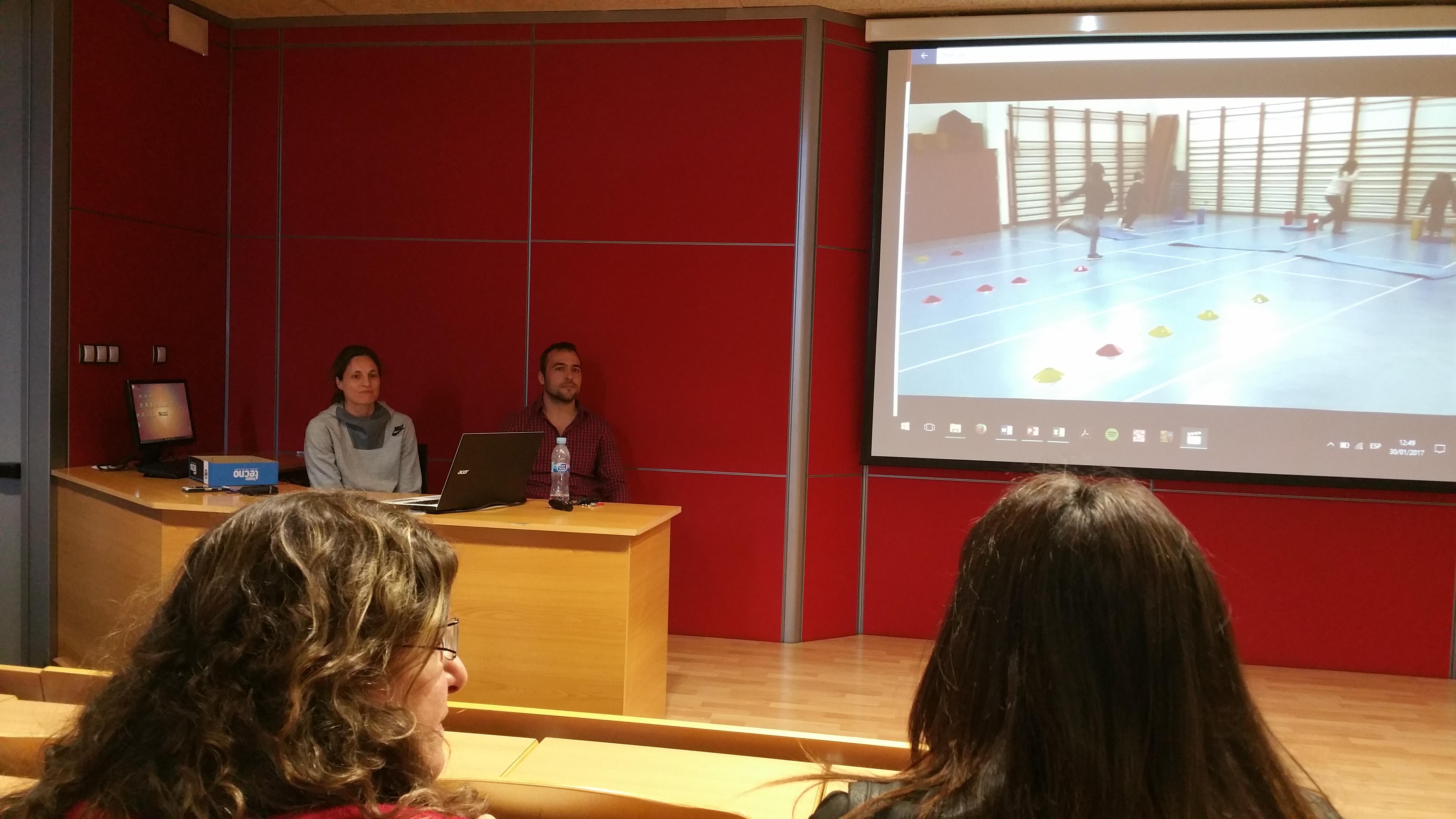 Primera sessió de reconeixement de mèrits extraordinaris en recerca dels professors d'EUSES Gerard Muñoz i Dra. Azahara Fort