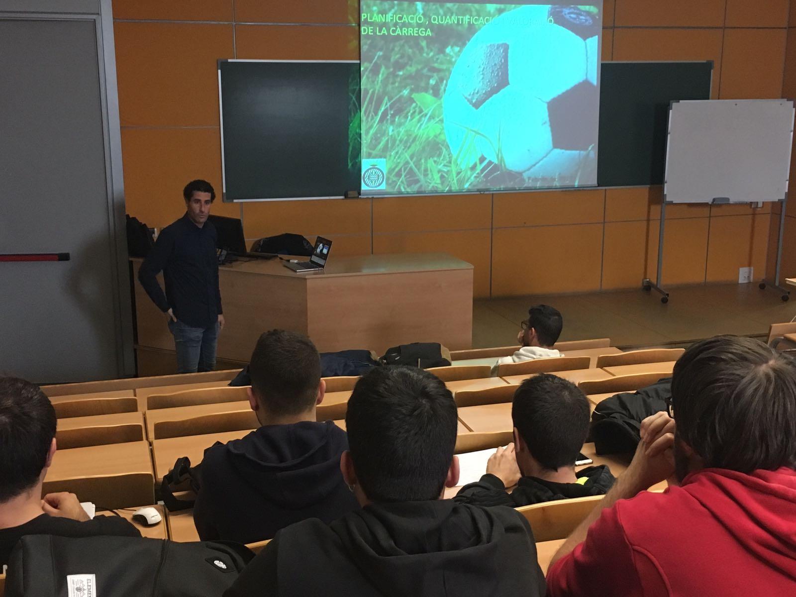 Ponència del preparador físic del Girona FC Jordi Balcells als alumnes de 3r del Grau en Ciències de l'Activitat Física i l'Esport d'EUSES