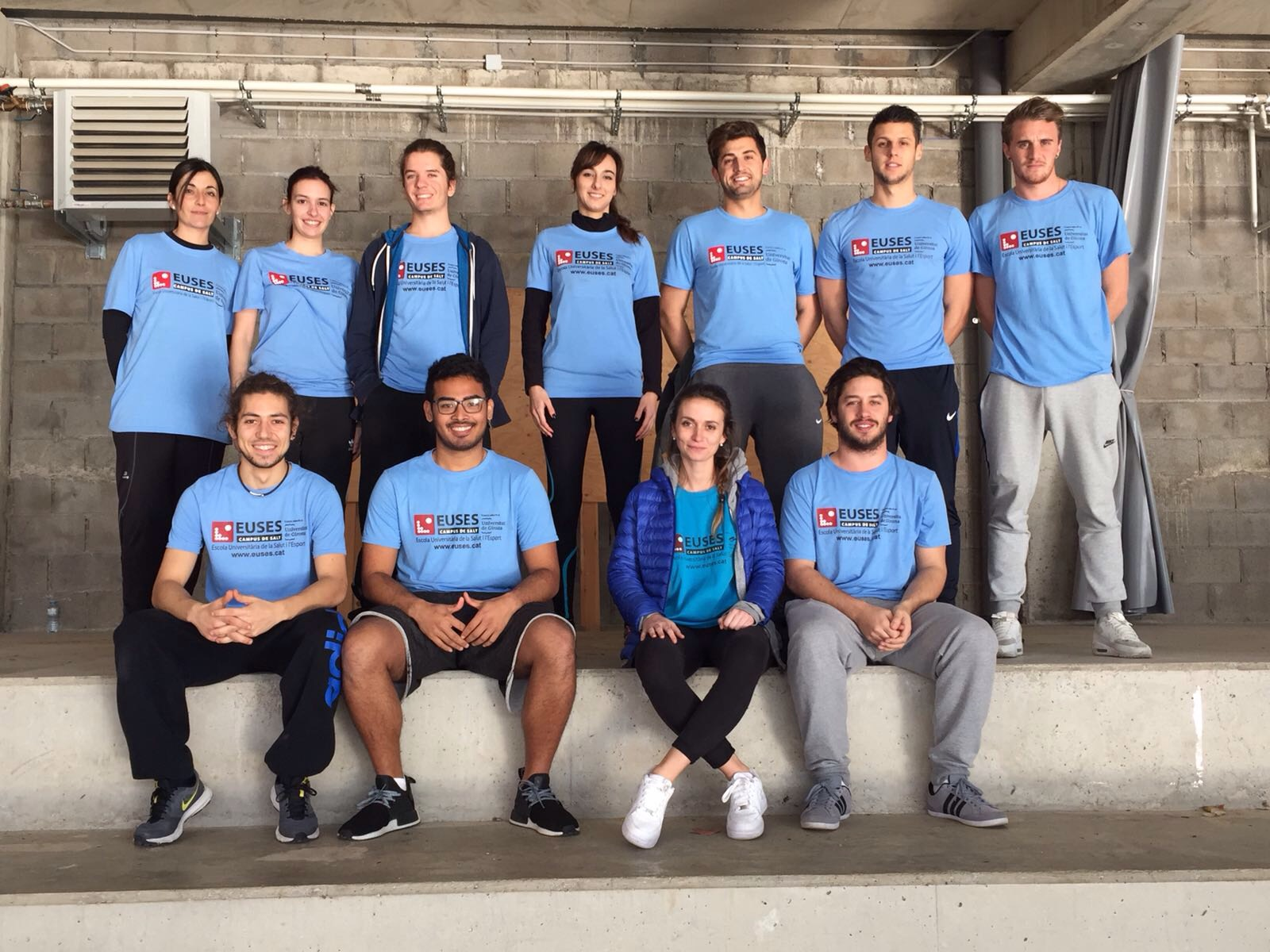 Estudiants del Grau en Fisioteràpia d'EUSES col·laboren en la recuperació dels esportistes del Trail Rocacorba