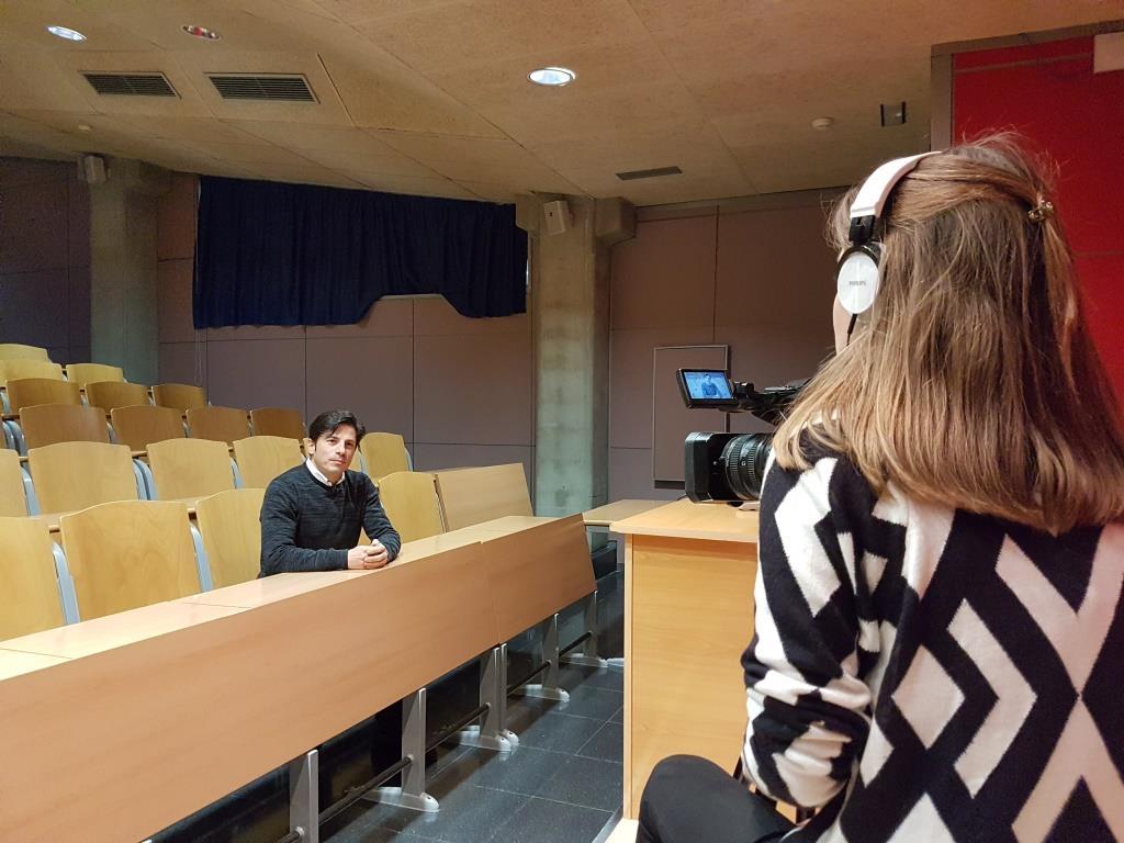 """El professor del grau de Fisioteràpia d'EUSES Daniel Marcos parla sobre el running en el programa """"Compte enrere"""" de TV Girona"""