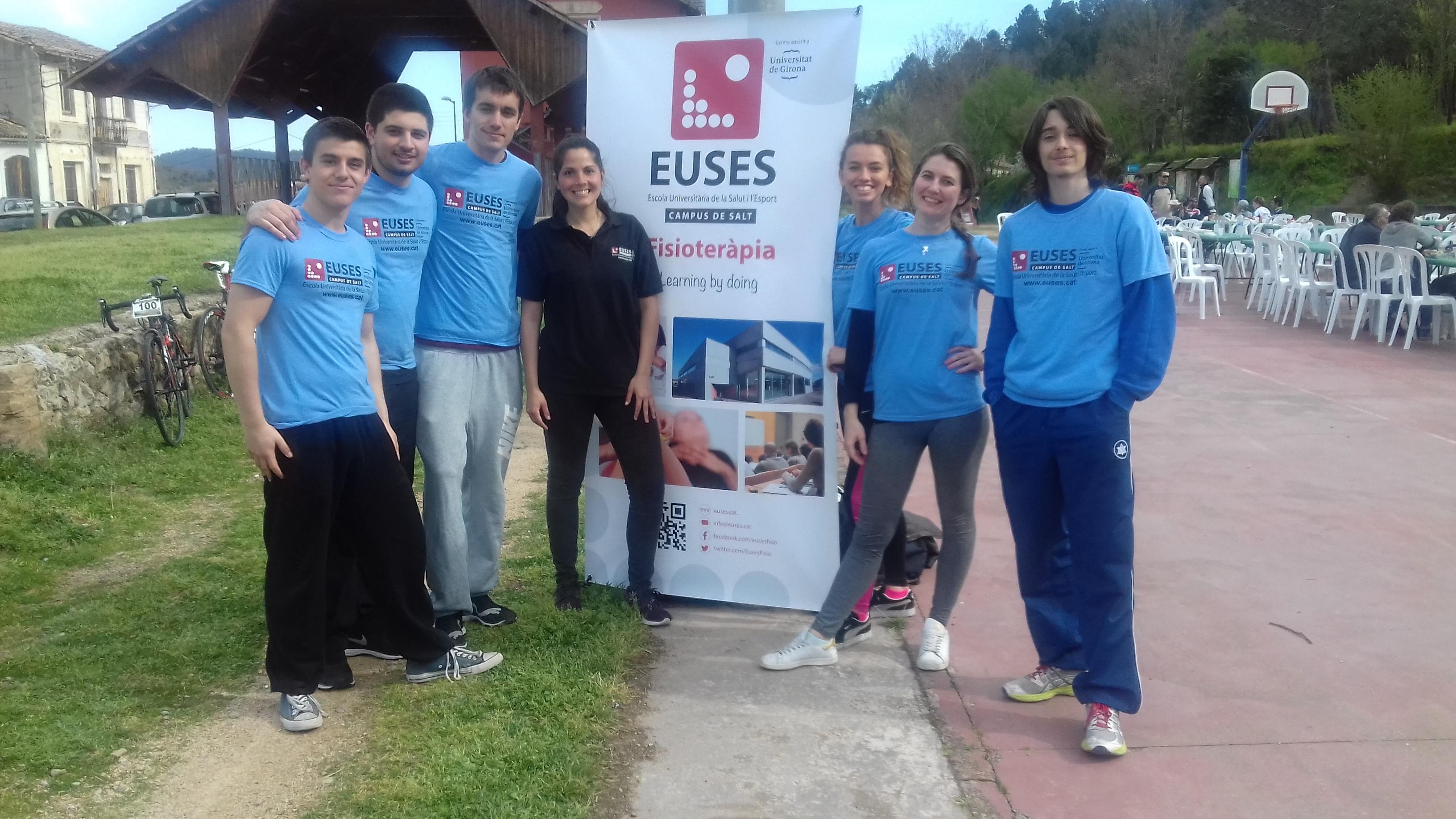 Alumnes del Grau en Fisioteràpia d'EUSES recuperen els ciclistes de la marxa cicloturista Amer-Sant Martí Sacalm