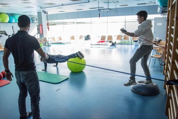 La doble titulació en CAFE i Fisioteràpia d'EUSES-UdG es focalitza en la readaptació esportiva, vinculant l'esport i la salut