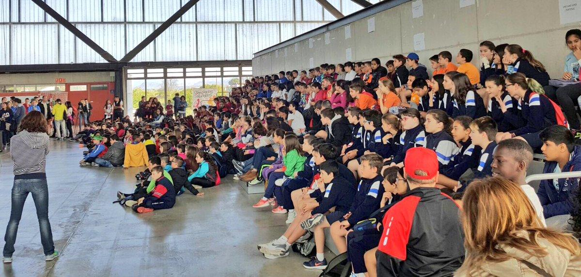 Estudiants de CAFE d'EUSES Terres de l'Ebre-URV participen en la 6a edició de la Diada Polisportiva, que reuneix més de 700 alumnes de centres educatius del Baix Ebre