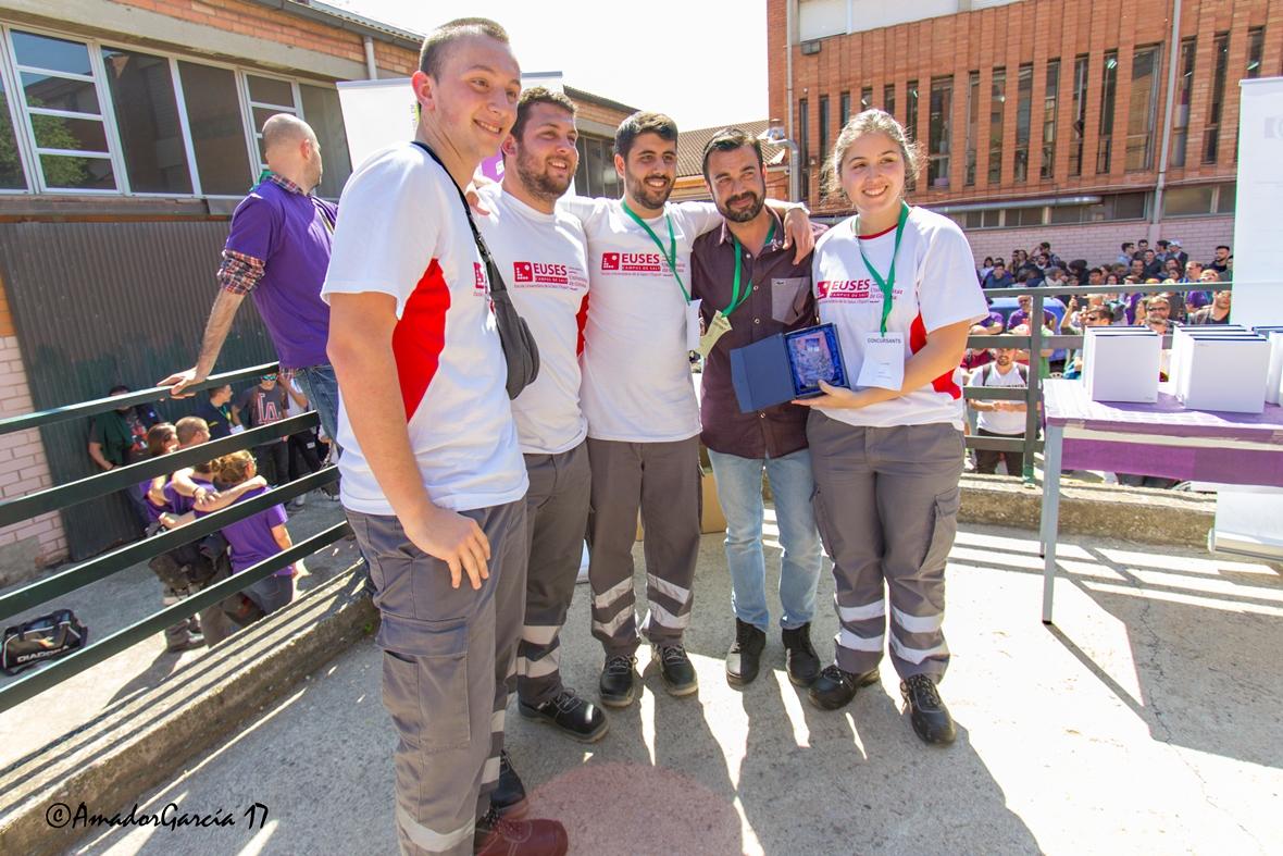 Primer lloc de l'equip del Centre Garbí del cicle de TES en el 1r Concurs de tècniques assistencials i de rescat celebrat a Santa Coloma de Gramenet