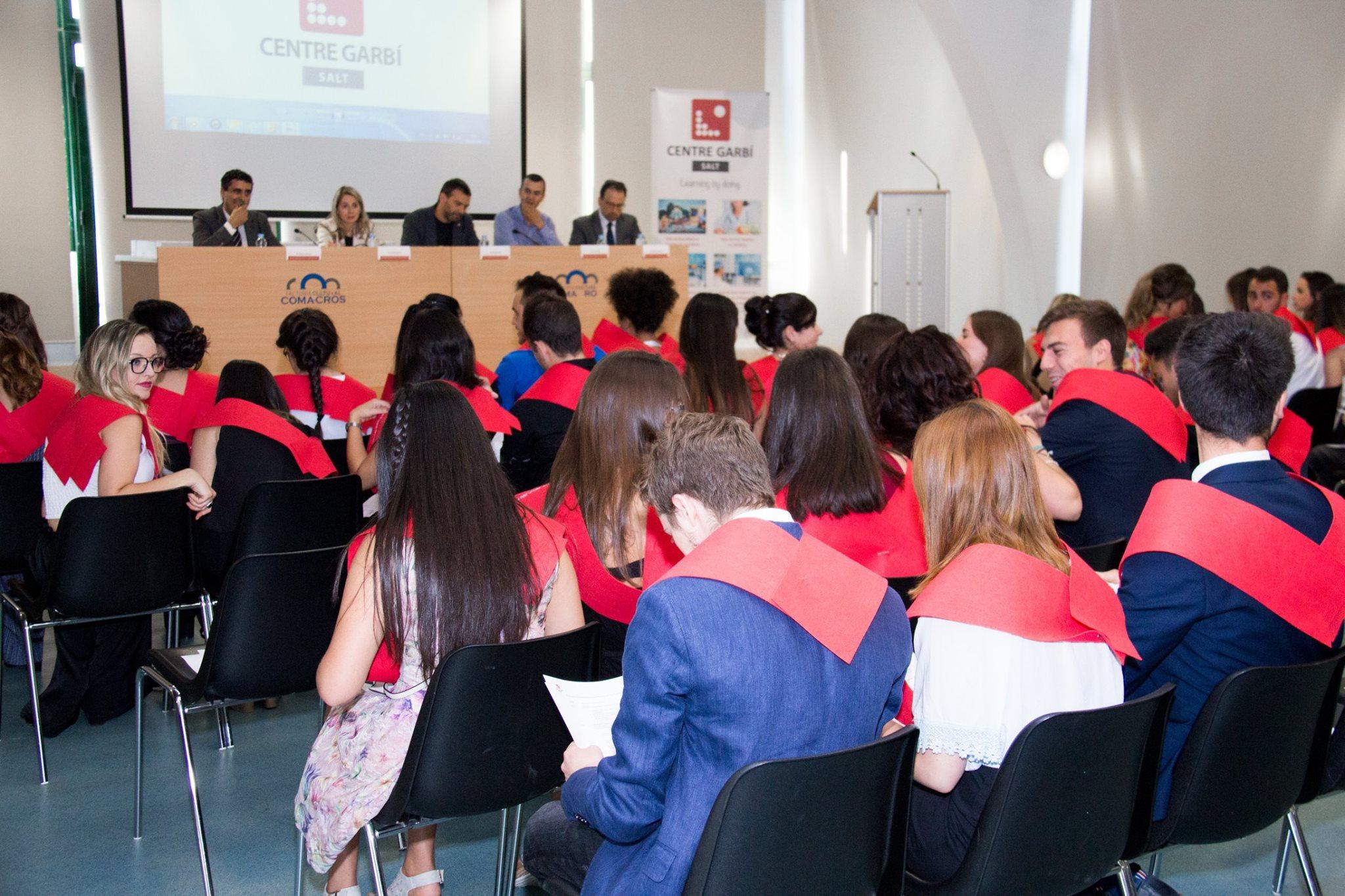 Acte de Graduació a la Factoria Cultural Coma Cros dels estudiants dels quatre cicles formatius que imparteix el Centre Privat Garbí