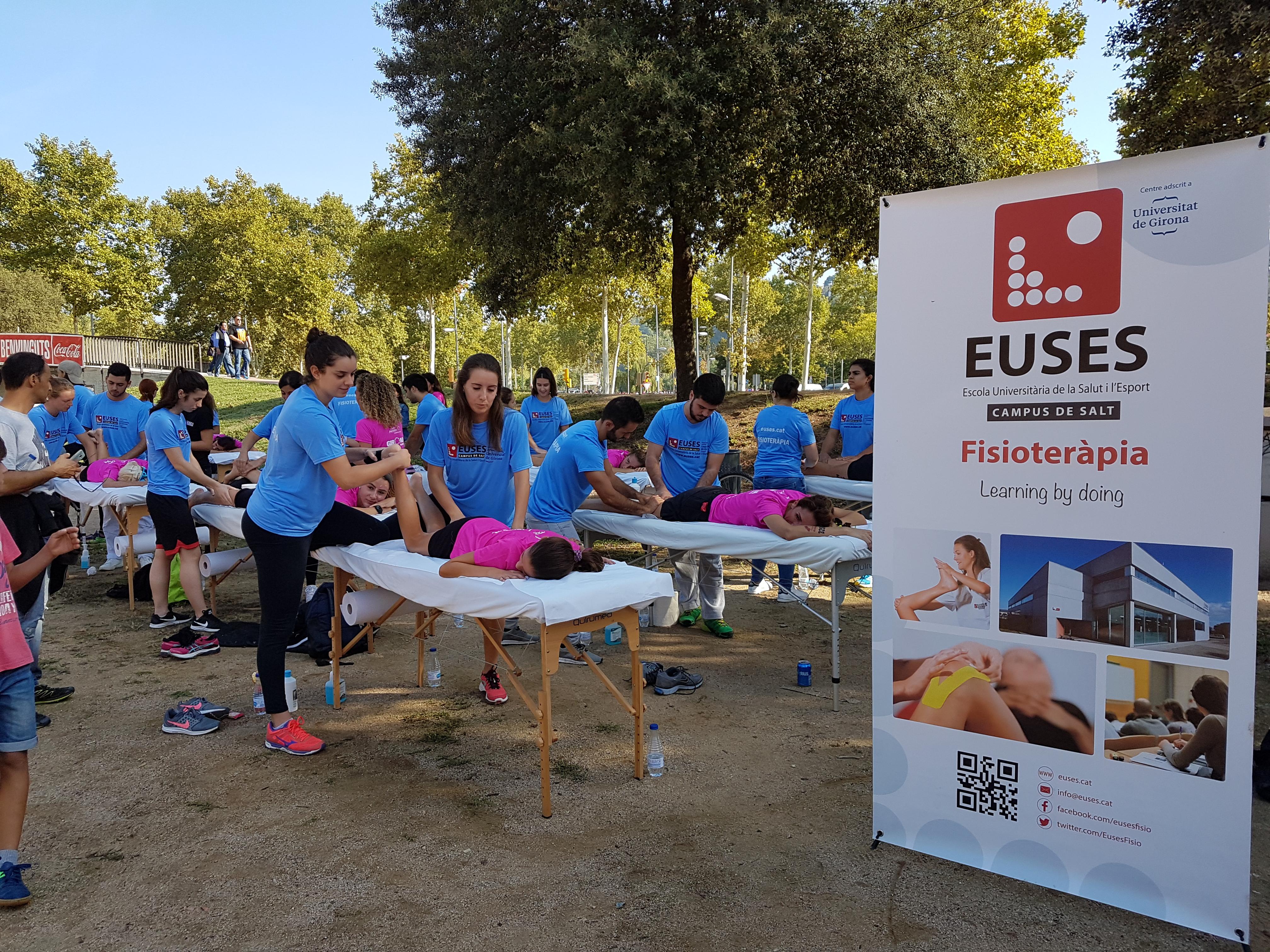 L'Escola Universitària de la Salut i l'Esport té previstos una trentena de voluntariats durant el segon semestre