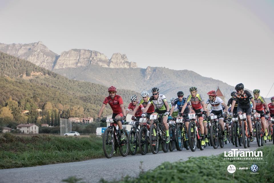 """Estudiants del Grau en Fisioteràpia d'EUSES recuperen els ciclistes participants en la cursa de BTT """"La Tramun"""""""