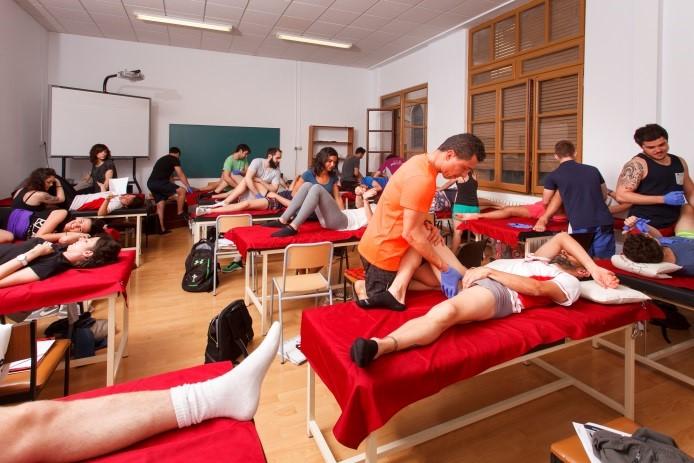 El Grau en Fisioteràpia d'EUSES Terres de l'Ebre ofereix una experiència d'aprenentatge adaptada a cada alumne