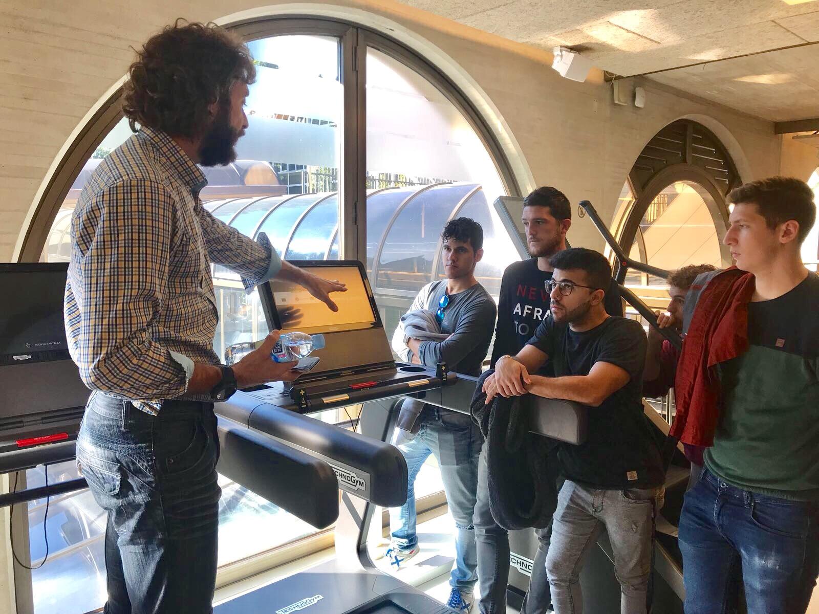 Els alumnes de 4t curs del Grau en CAFE d'EUSES Terres de l'Ebre van visitar i conèixer la filosofia de treball del Metropolitan Iradier de Barcelona