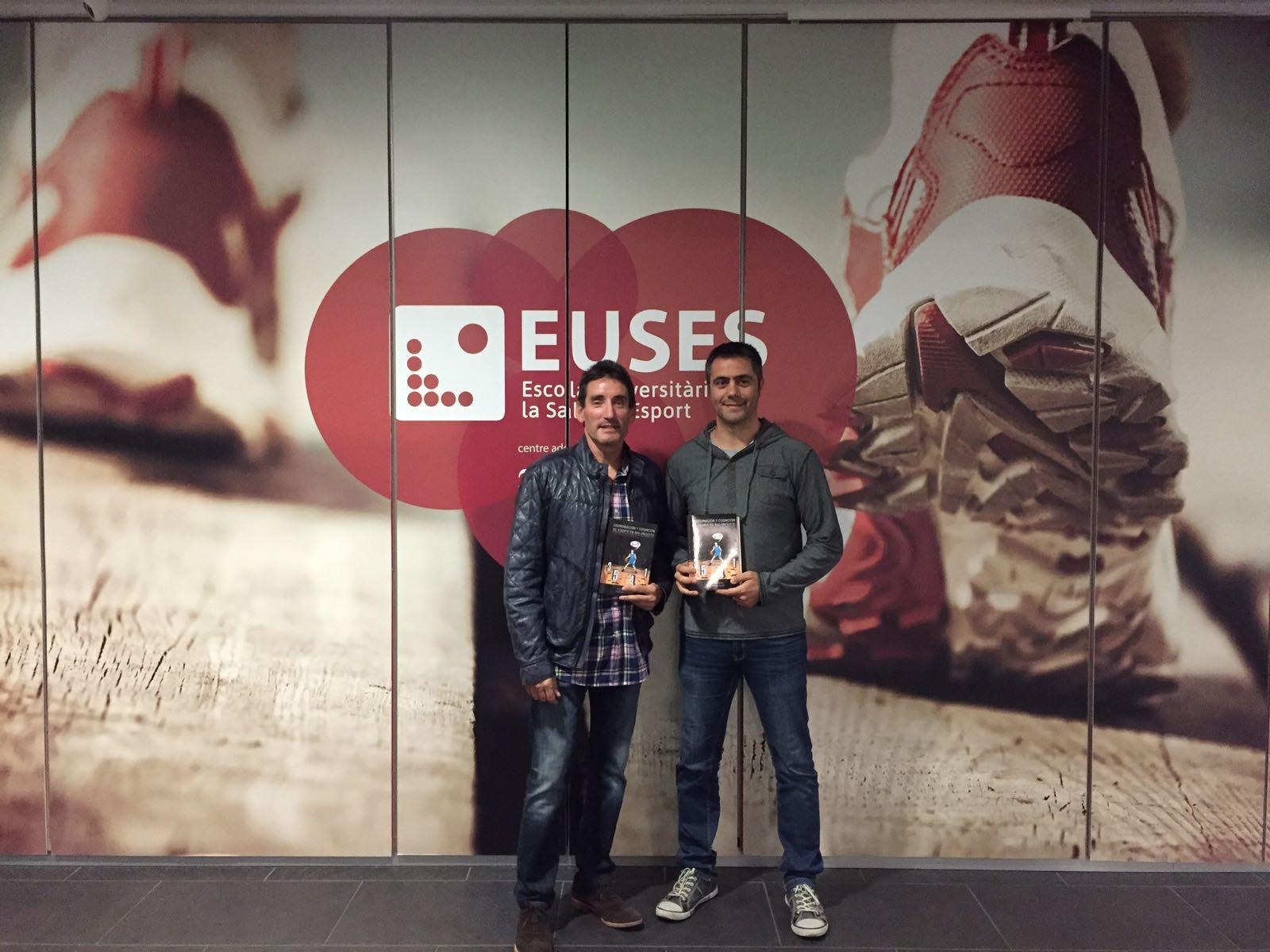 """Presentat a EUSES el llibre """"Coordinació i cognició d'equip en bàsquet. De la teoria a la pràctica"""", del professor Carlos López i l'exjugador ACB Xavier Vallmajó"""