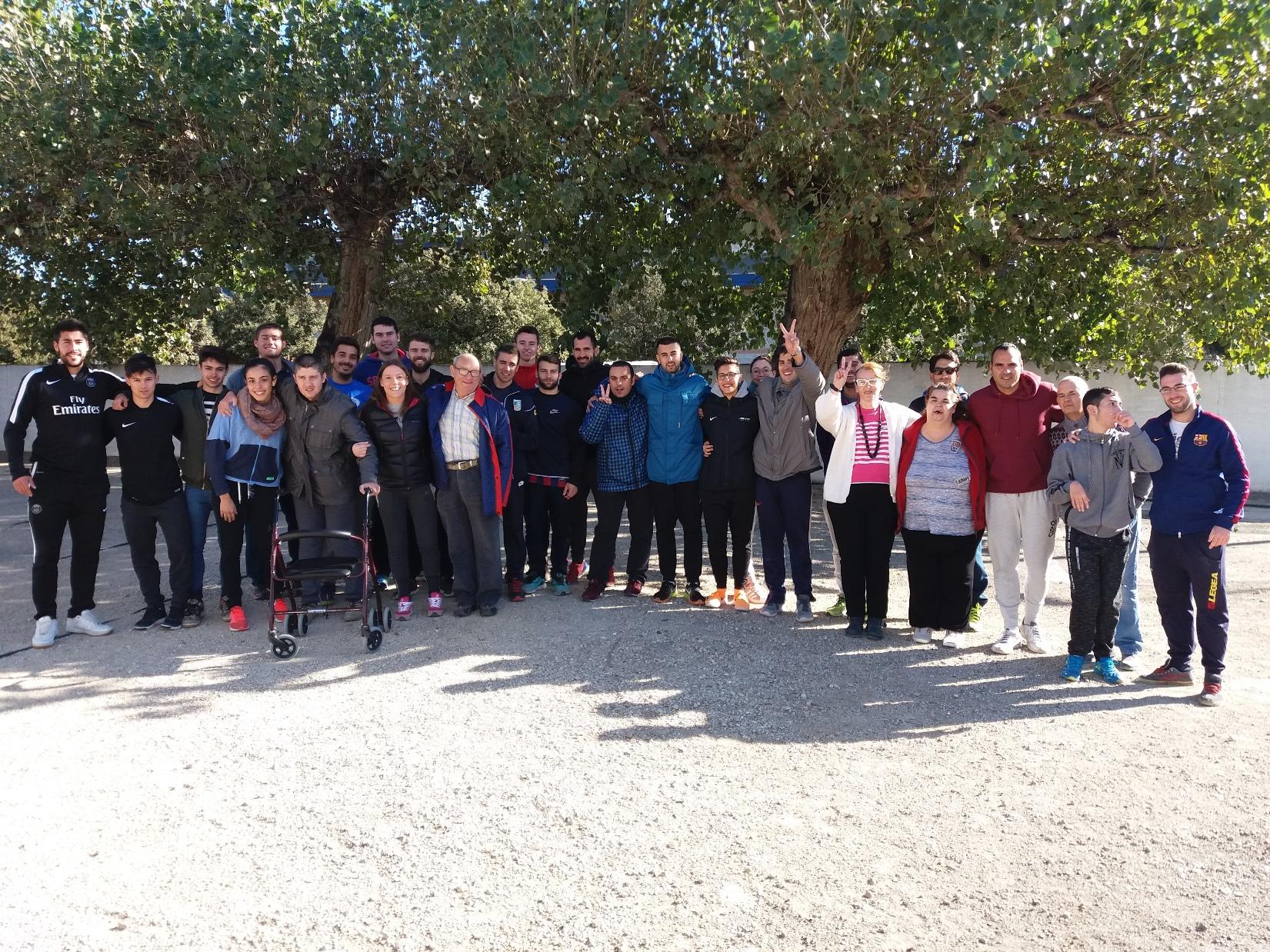 Sessió de bitlles catalanes adaptades per als usuaris del Centre la Duna de Deltebre per part dels alumnes de 3r de CAFE d'EUSES-TE