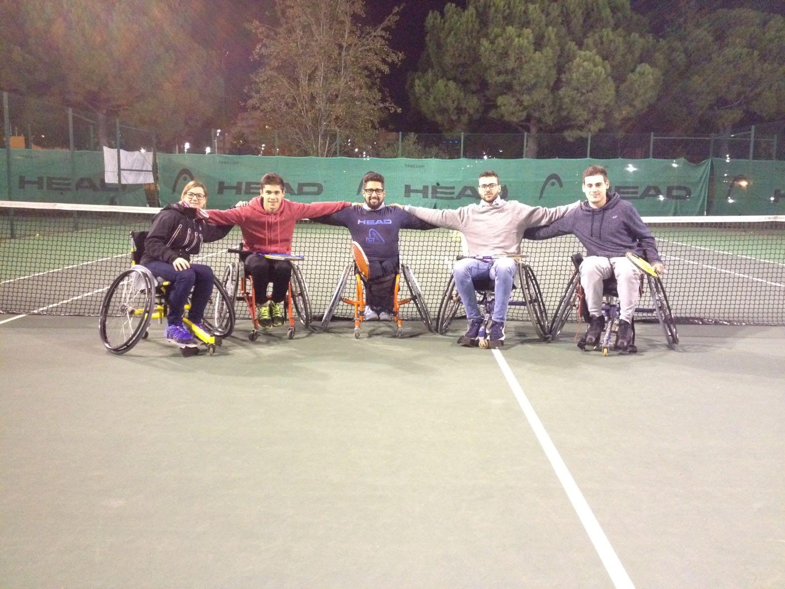 Estudiants de 3r de CAFE d'EUSES presencien entrenaments de blind tennis i wheelchair tennis amb vista a la Jornada de Sensibilització del dilluns 11 de desembre