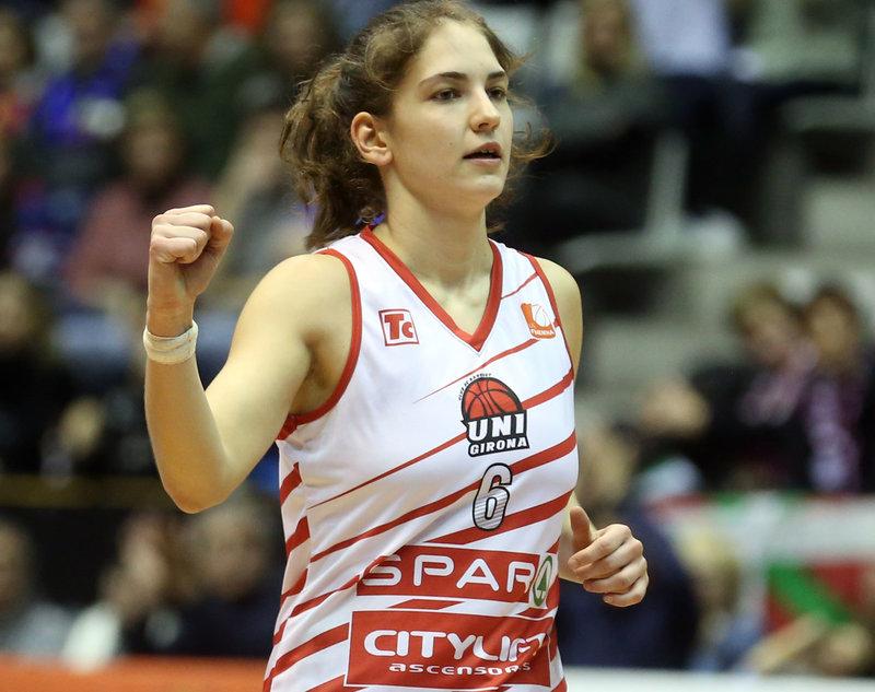 La jugadora de bàsquet de l'Spar Citylift Uni Girona Rosó Buch serà la convidada d'honor el dimarts 14 de la VII Jornada Anual del Campus de Salt EUSES Alumni