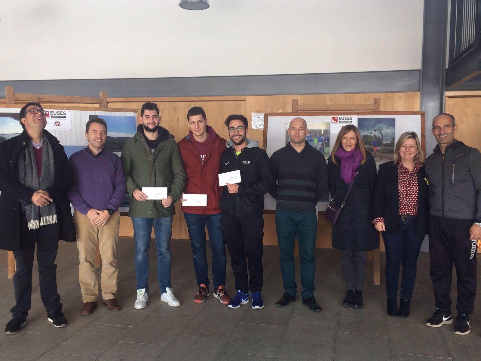 Tres alumnes de 4t del Grau en Ciències de l'Activitat Física i l'Esport d'EUSES Terres de l'Ebre, guanyadors de l'Exposició 'Recreació i paisatge esportiu'