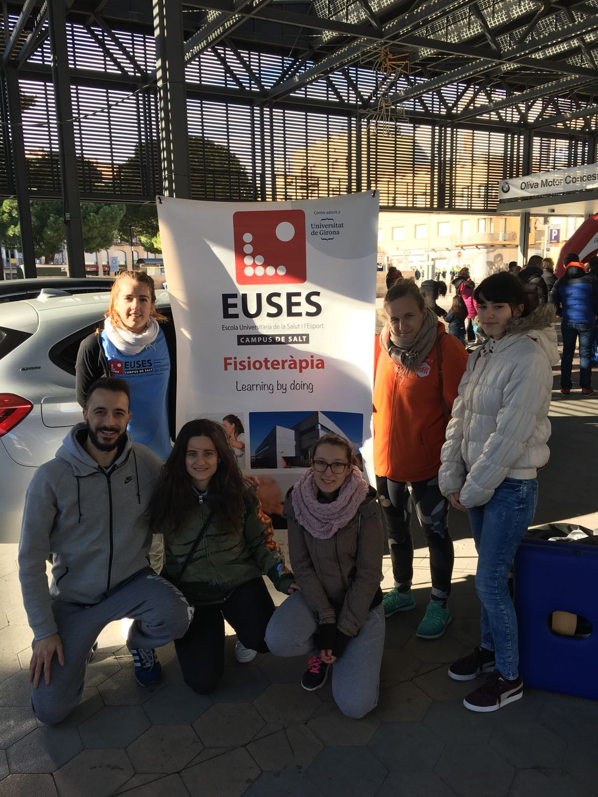 L'Escola Universitària de la Salut i l'Esport col·labora en la primera edició de la Mitja Marató de Figueres amb la recuperació muscular dels participants