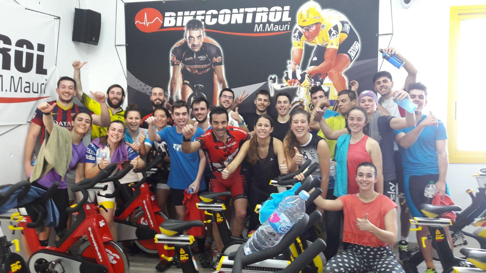 Els alumnes de 3r de CAFE d'EUSES realitzen tres activitats de ciclo indoor i real ryder a les seus de Bikecontrol (Calonge), de l'UFEC (Salt) i del gimnàs Triops (Banyoles)