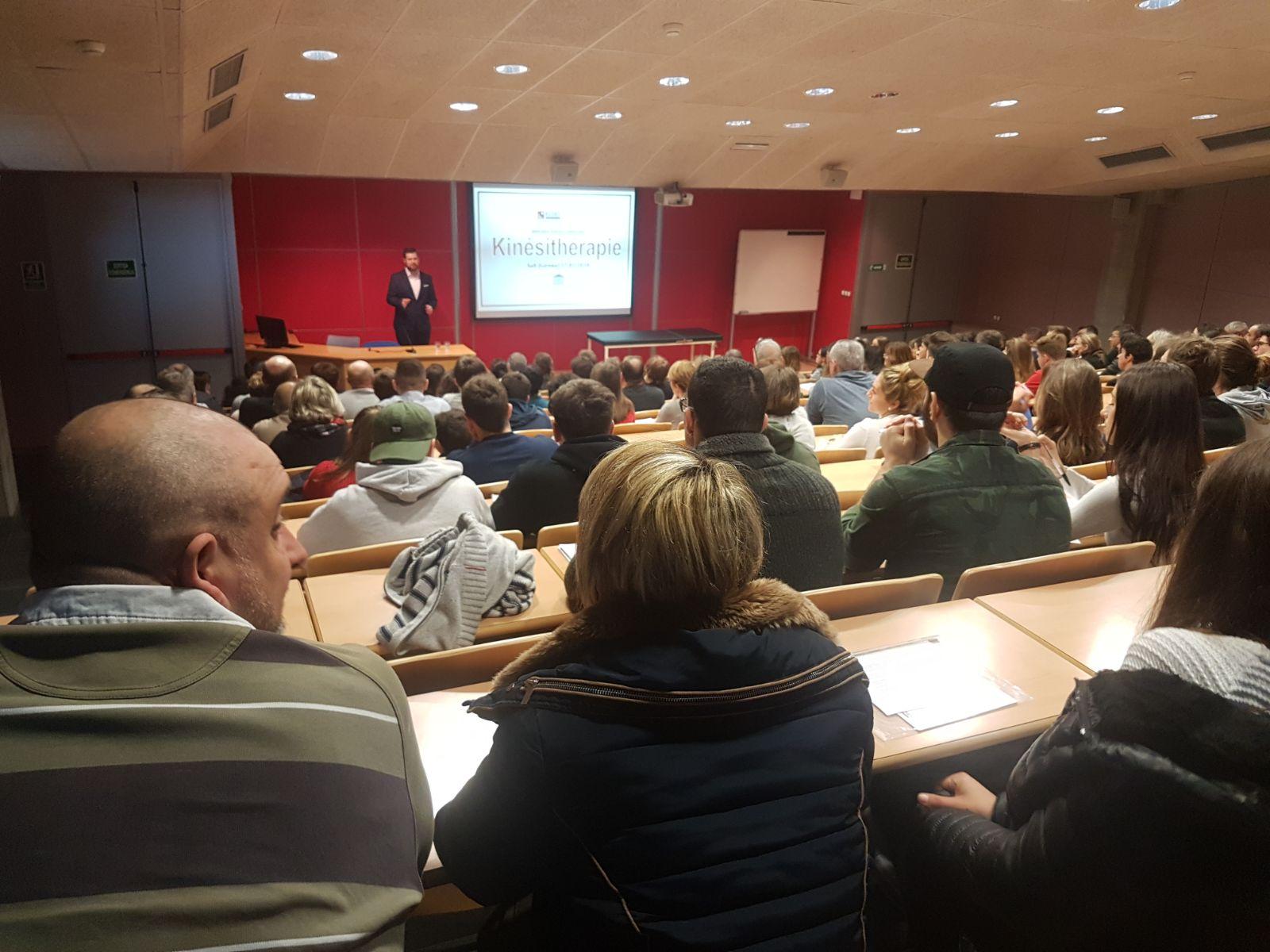 Nombrosa assistència d'interessats en el Grau en Fisioteràpia d'EUSES en la jornada de portes obertes adreçada als estudiants francesos