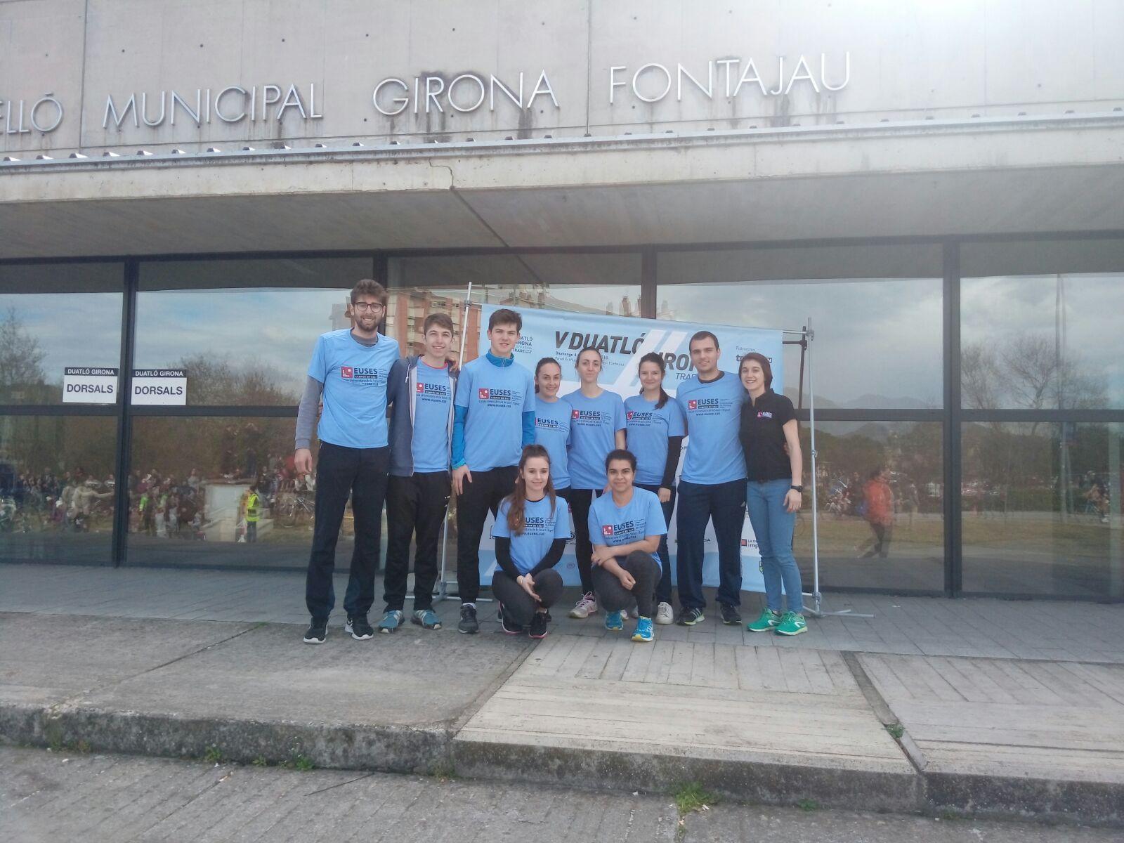Estudiants del Grau en Fisioteràpia d'EUSES recuperen els participants de la 5a edició de la Duatló de Girona