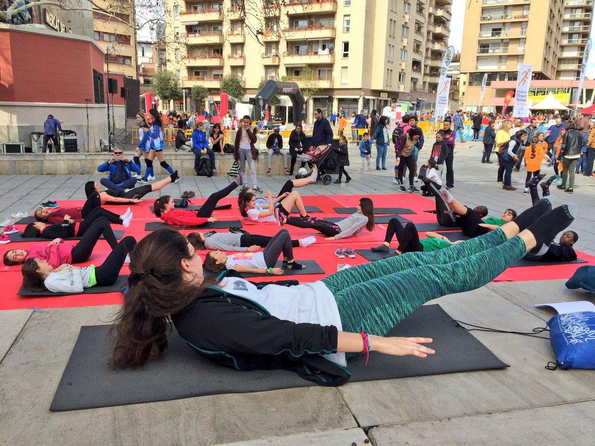 EUSES s'aboca en l'esport femení amb la celebració de la Jornada Dona i Esport de divendres i amb la participació d'alumnes de CAFE i de Fisioteràpia en les activitats esportives de diumenge