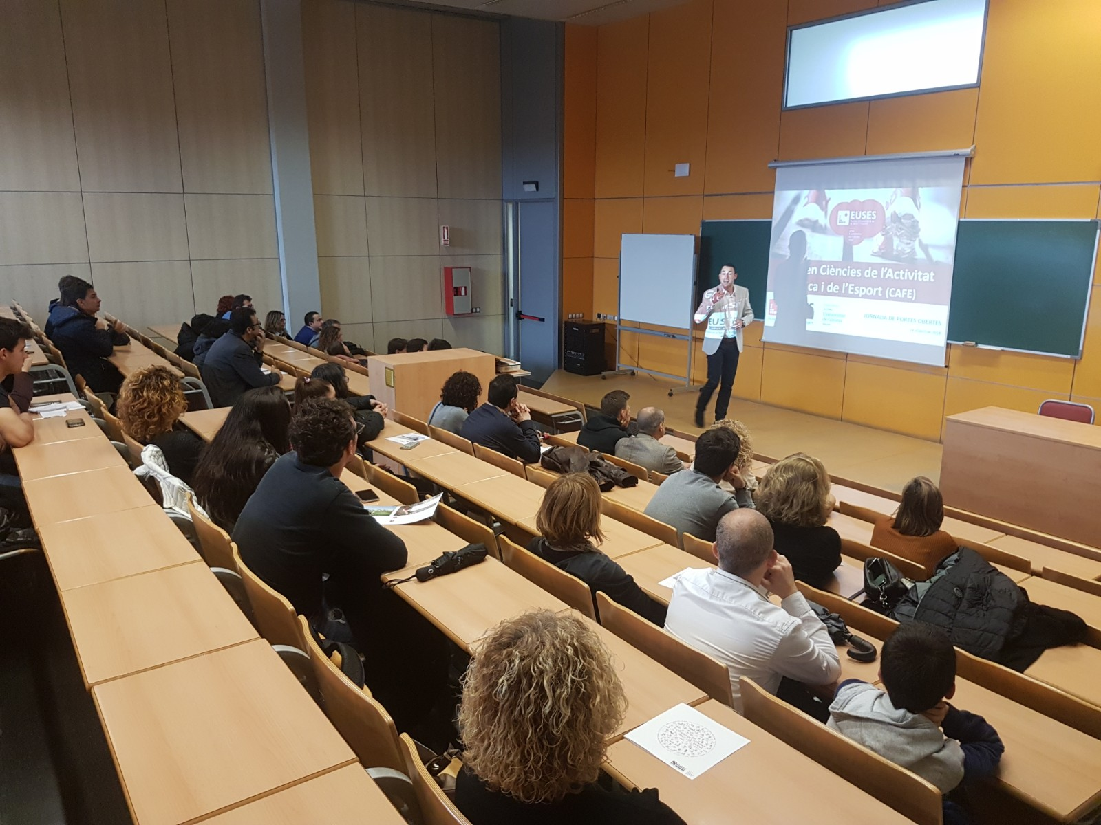 EUSES i el Centre Privat Garbí presenten els seus graus universitaris i cicles formatius en la jornada de portes obertes al Campus de Salt