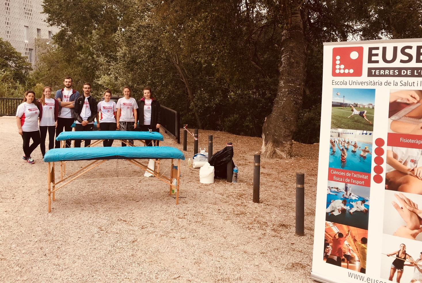 Estudiants del Grau en Fisioteràpia d'EUSES Terres de l'Ebre recuperen els participants de la 18a edició de la cursa de muntanya de la UEC Tortosa