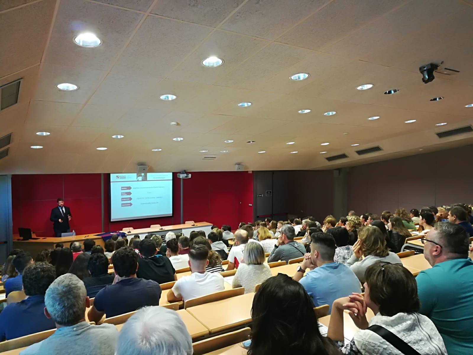 Èxit d'assistència en la darrera jornada de portes obertes de l'Escola Universitària de la Salut i l'Esport per als graus en CAFE i en Fisioteràpia
