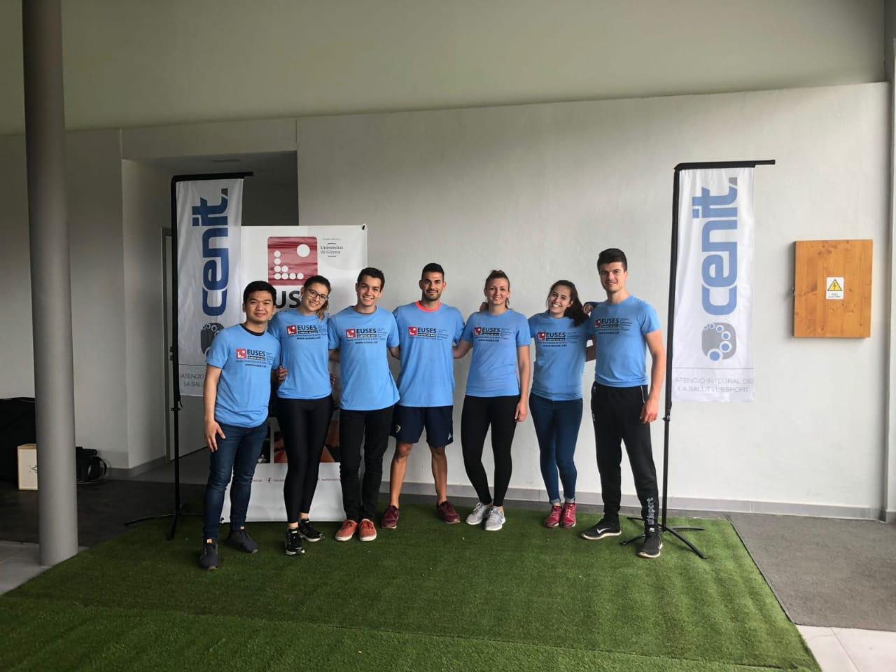 Estudiants del Grau en Fisioteràpia d'EUSES recuperen els ciclistes de la MTB Challenge celebrada a Puigcerdà