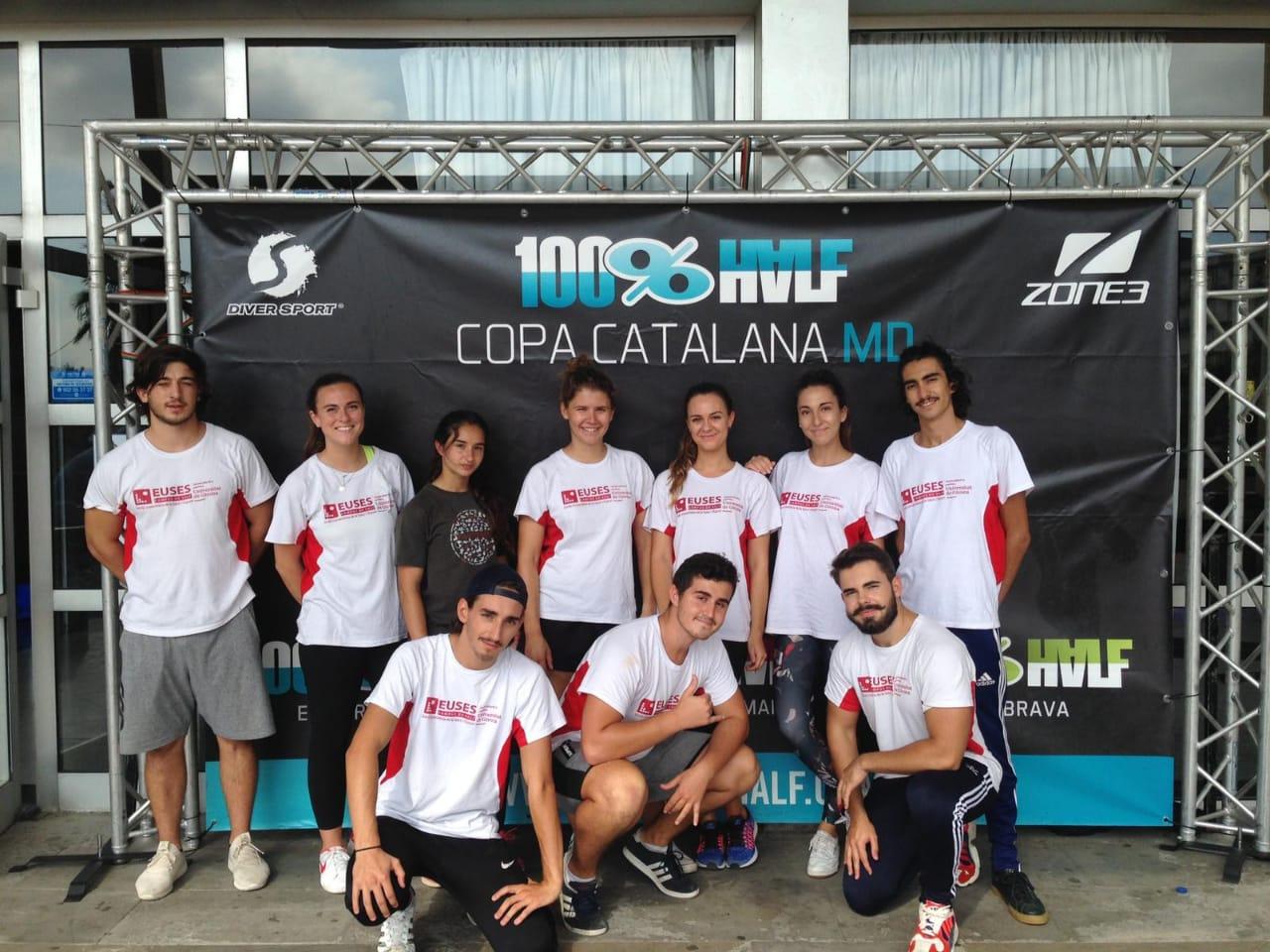 Alumnes del Grau en Fisioteràpia d'EUSES col·laboren en una nova edició de la triatló Half Platja d'Aro